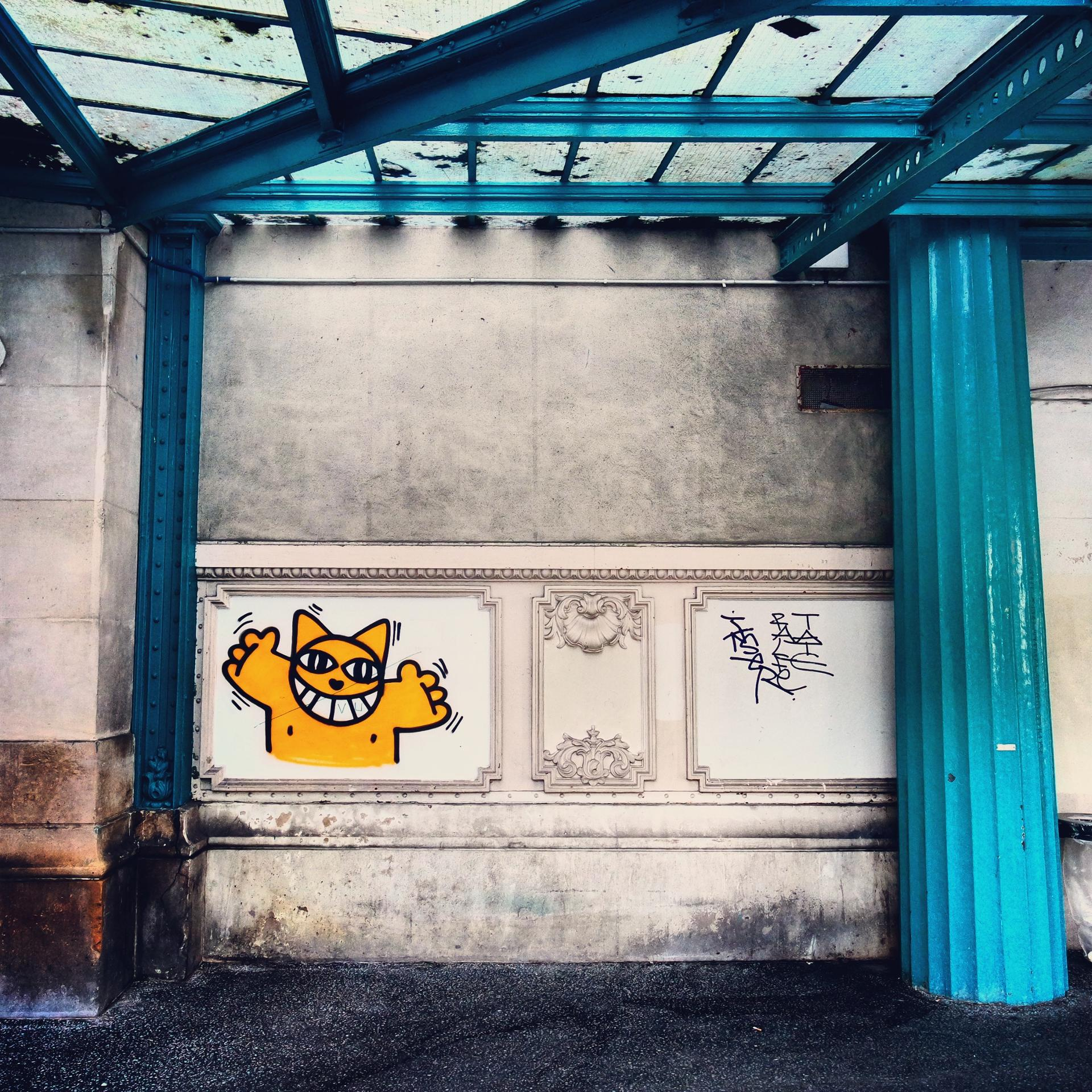 M. Chat by Thoma Vuille - Gare d'Austerlitz