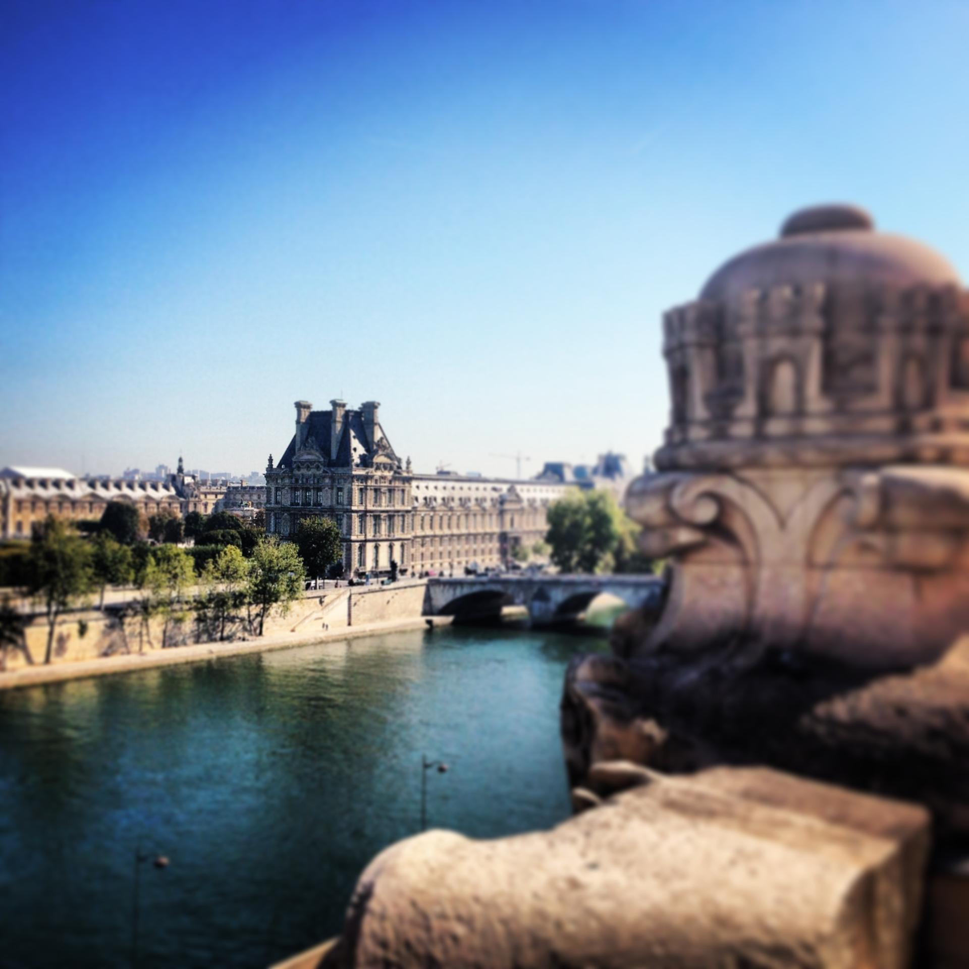 Le Louvre vu du Musée d'Orsay