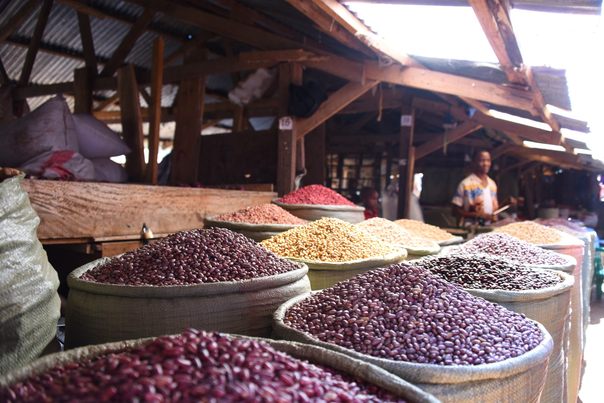 étal d'haricots secs (Dodoma, Tanzanie)