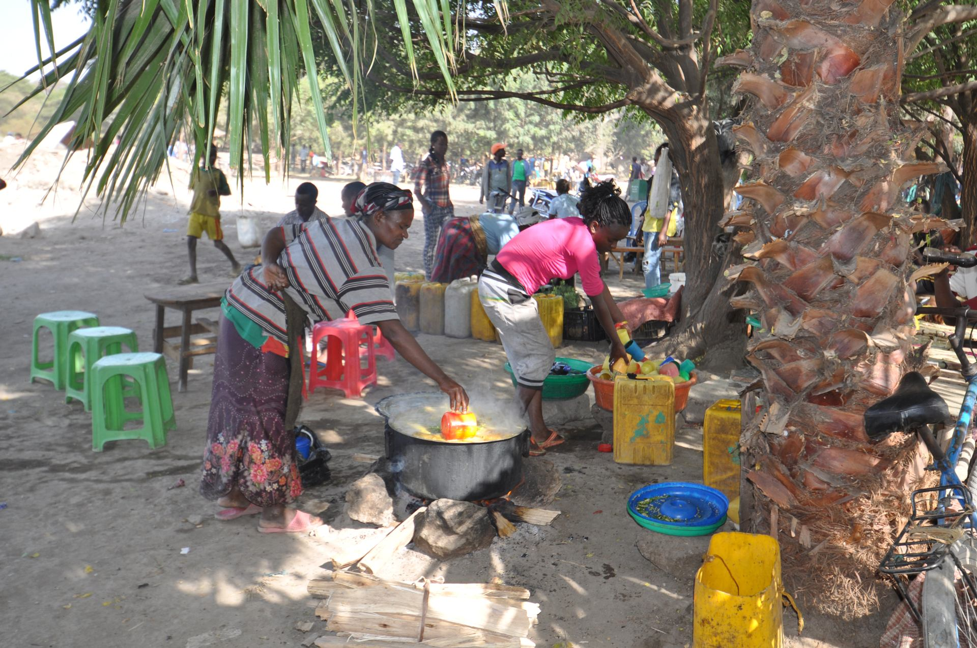 Préparation de la soupe (lac Tana, Ethiopie)