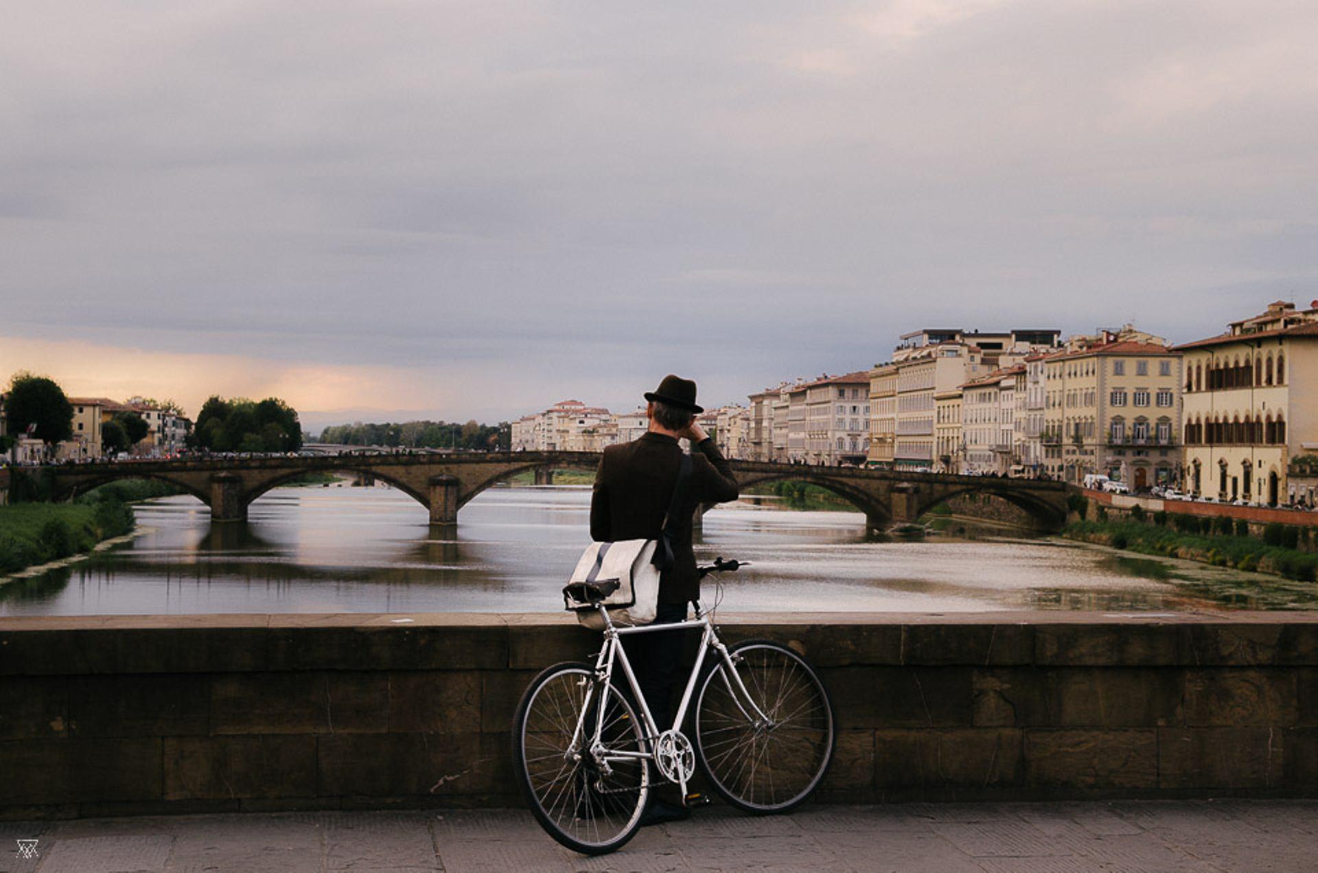 Le Ponte Vecchio à Vélo, Florence, Italie