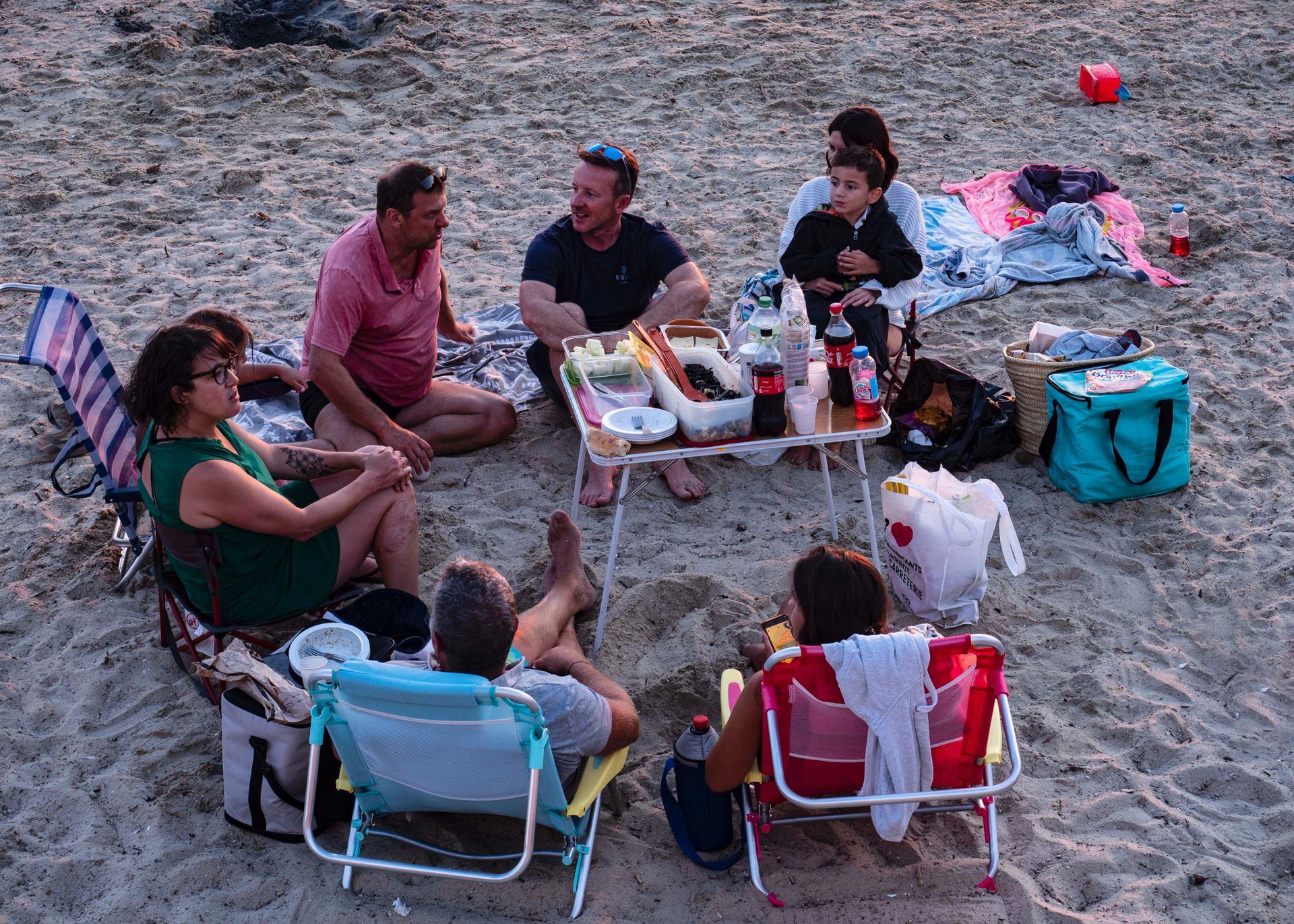 Repas du soir sur la plage