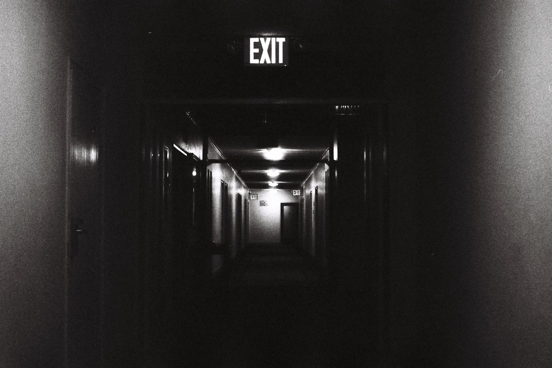 Le corridor, perspective de film noir, NY