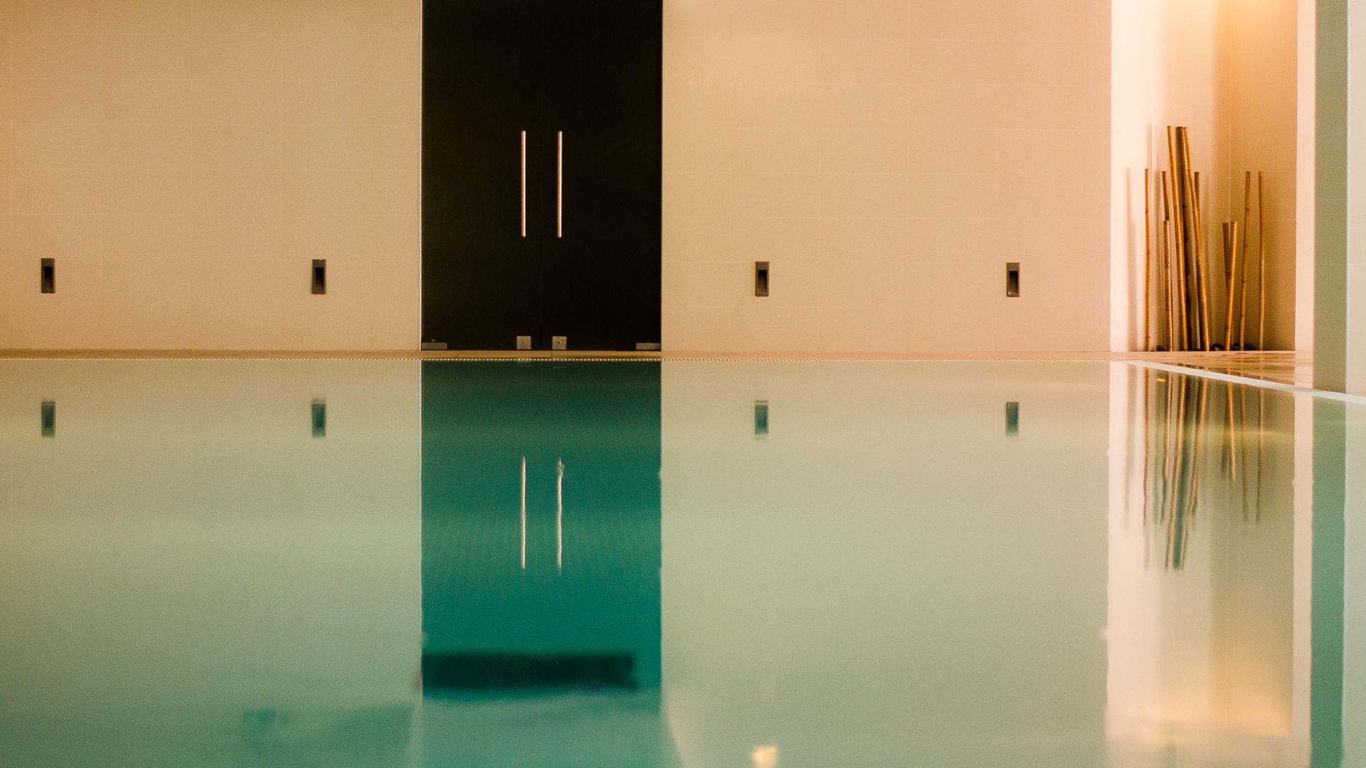 Intérieur piscine