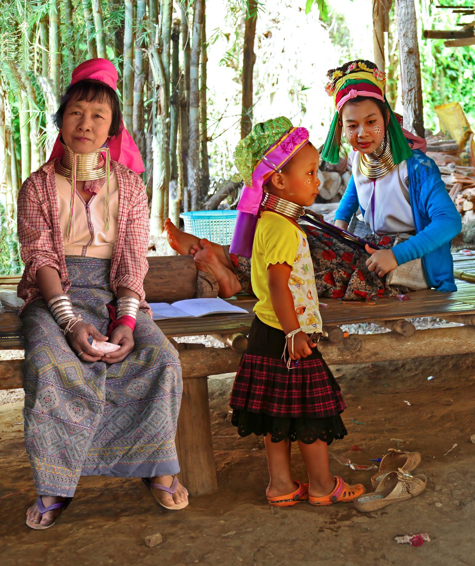 La fille, la mère et l' arrière-arrière-arrière grand-mère.