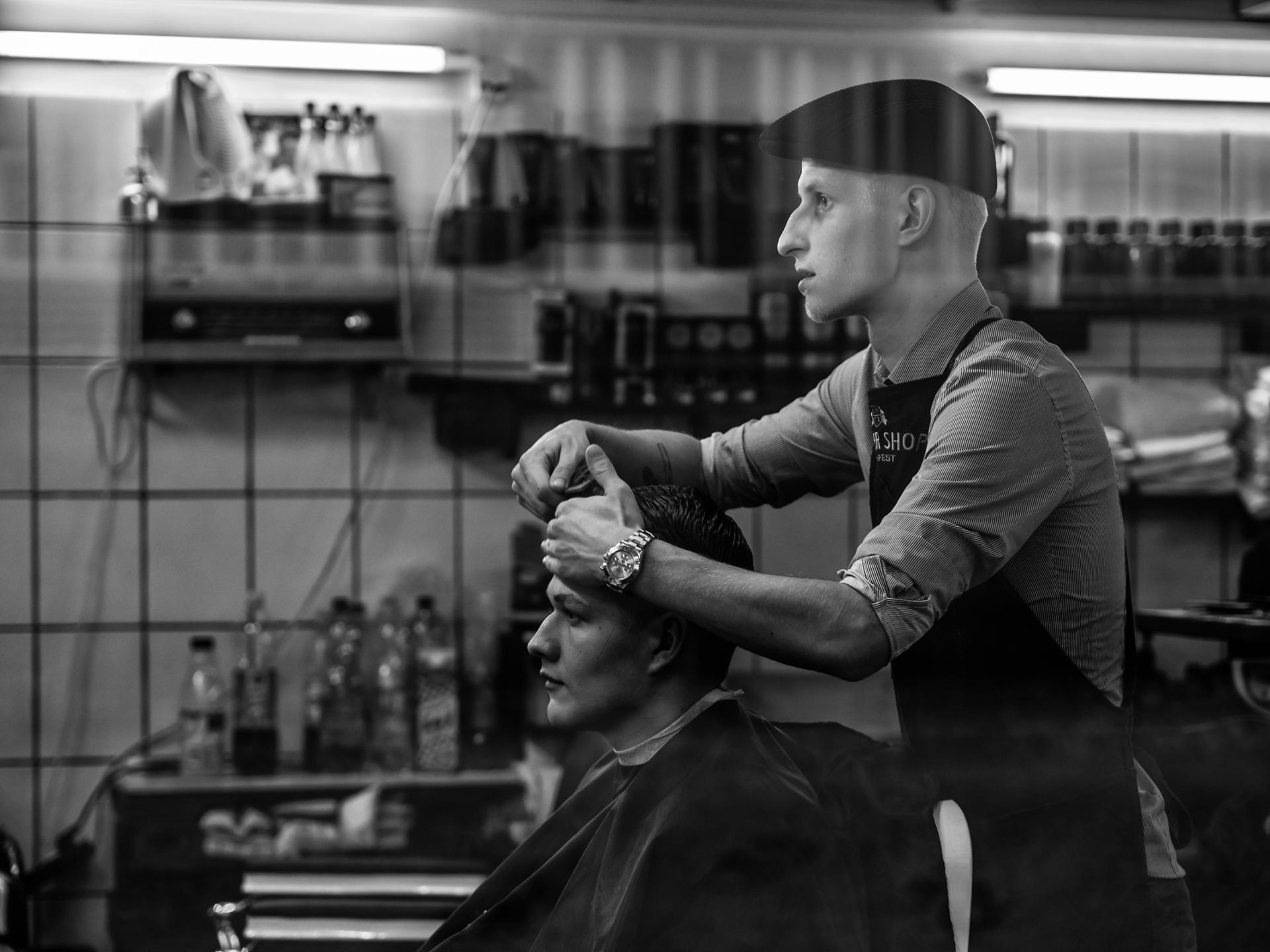 Budapest : coiffeur dans la rue Dob