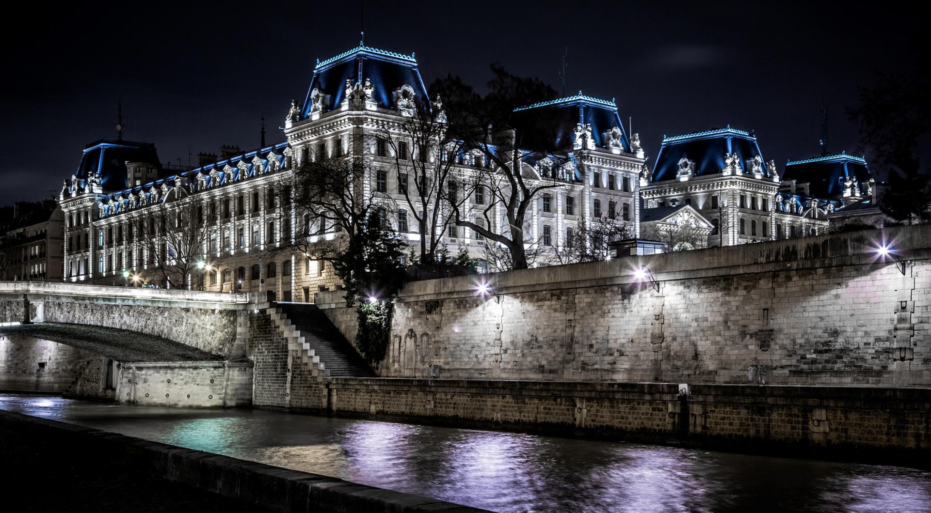 Promenade nocturne sur les quais - Paris