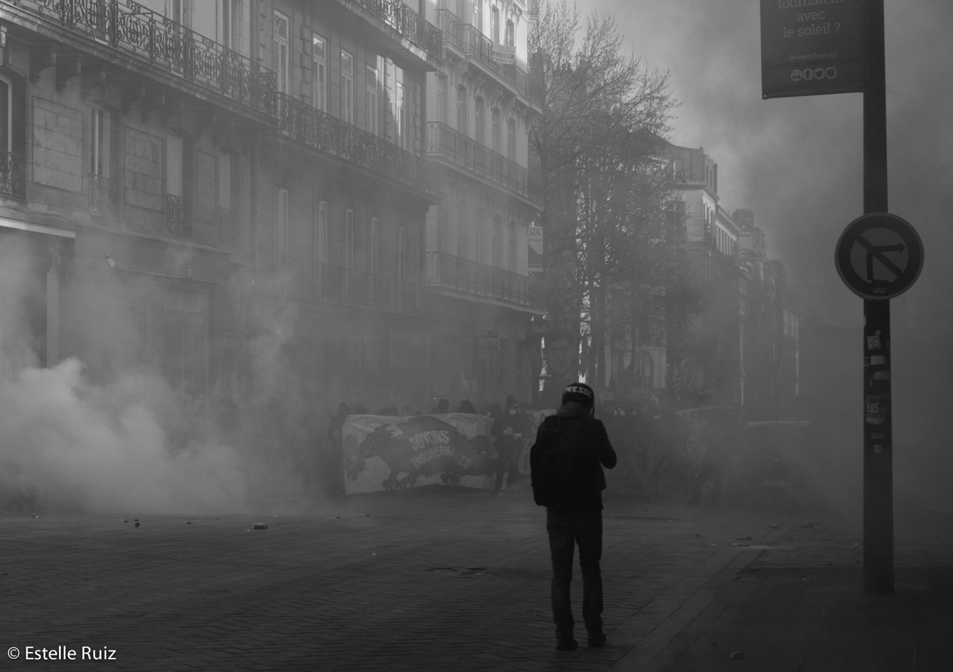 Reporter sous les fumigènes