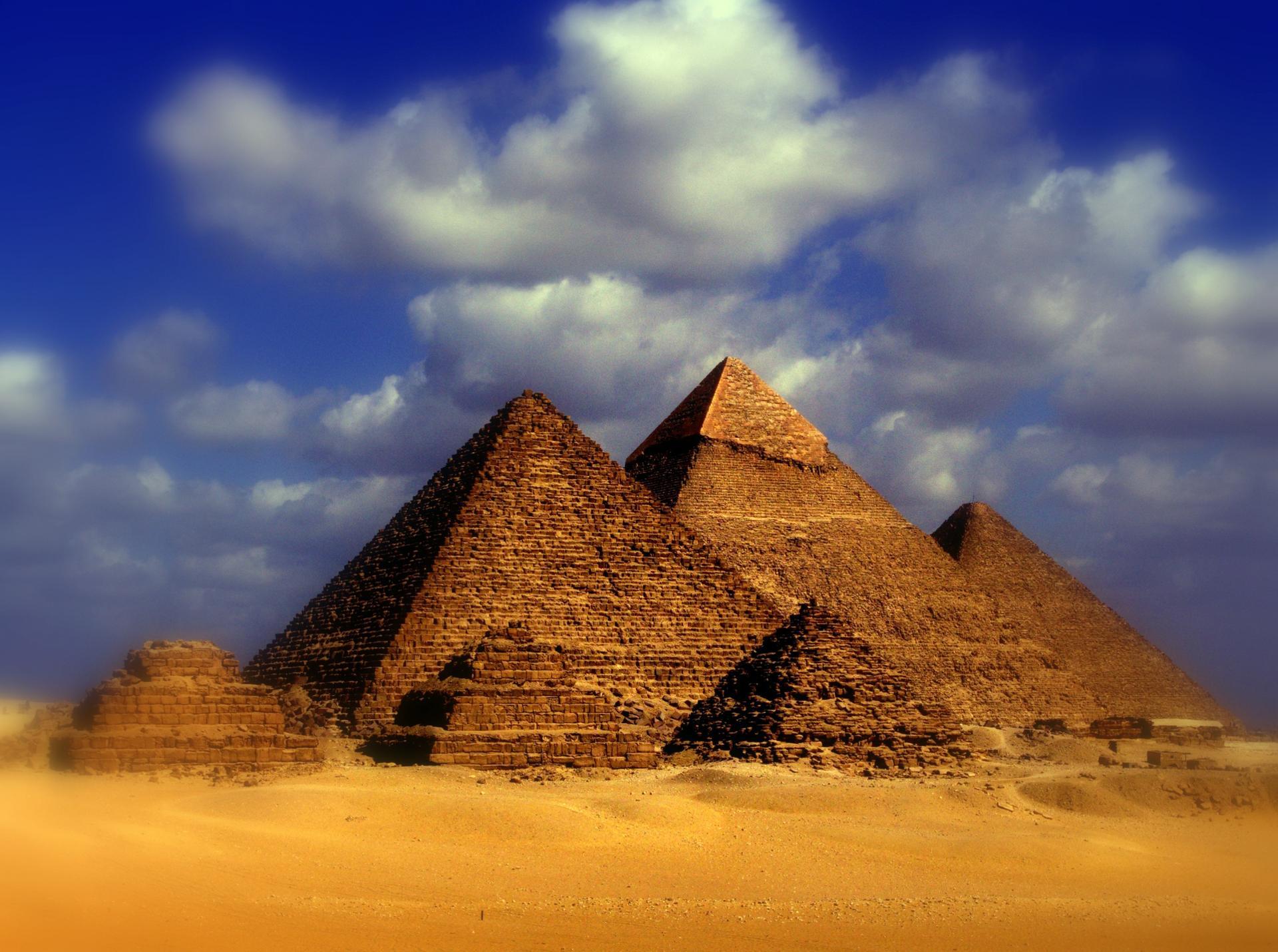 les pyramides1