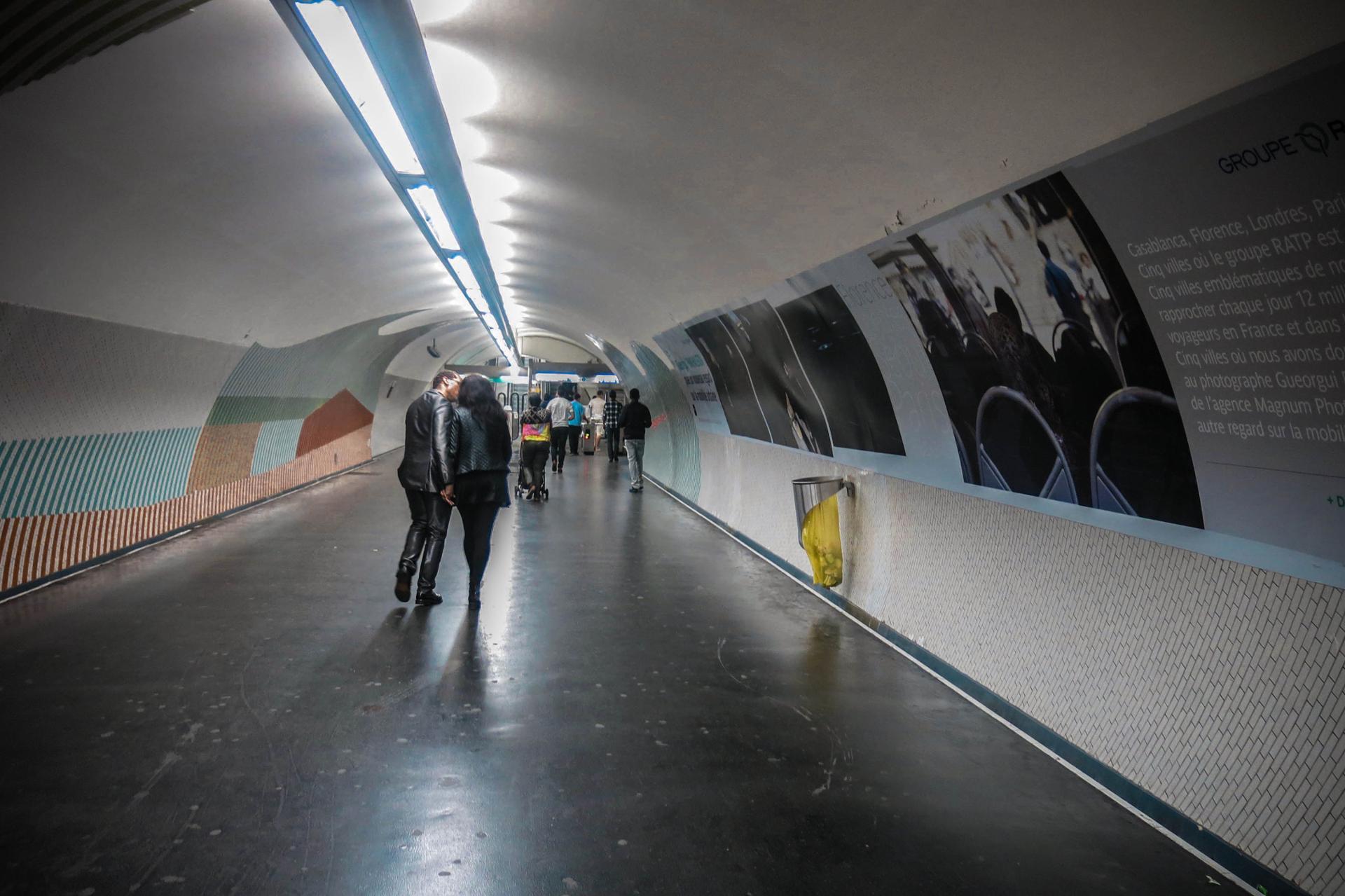 Le baiser du tunnel ,Gare Du nord (c) Paris,2015