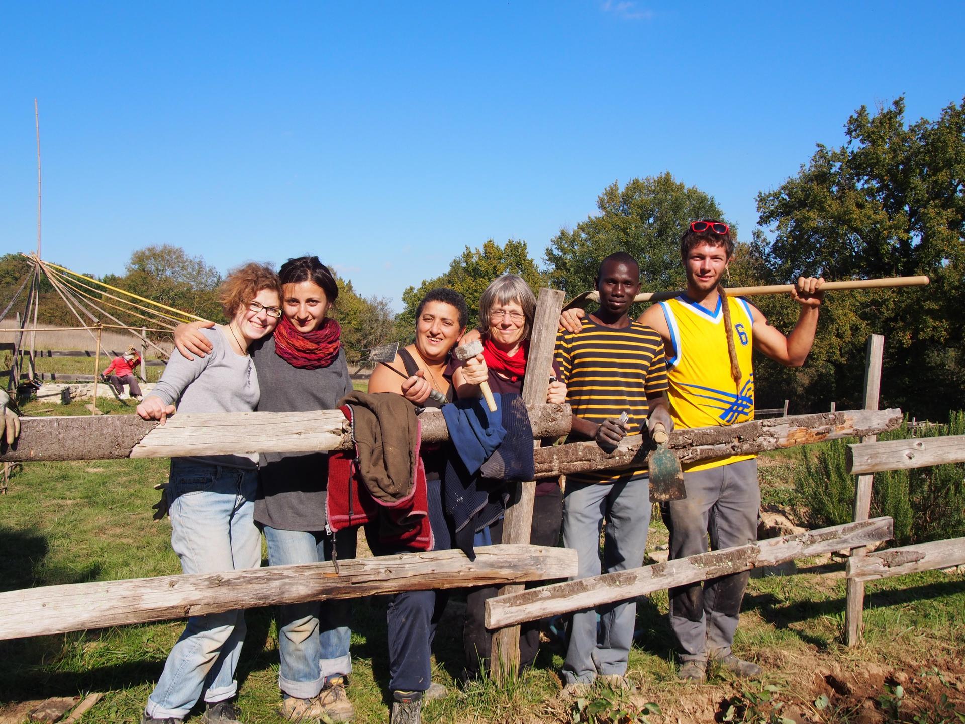 le travail au chantier - le coeur de Solidarités Jeunesses. Travailler ensemble = échange = amitié!