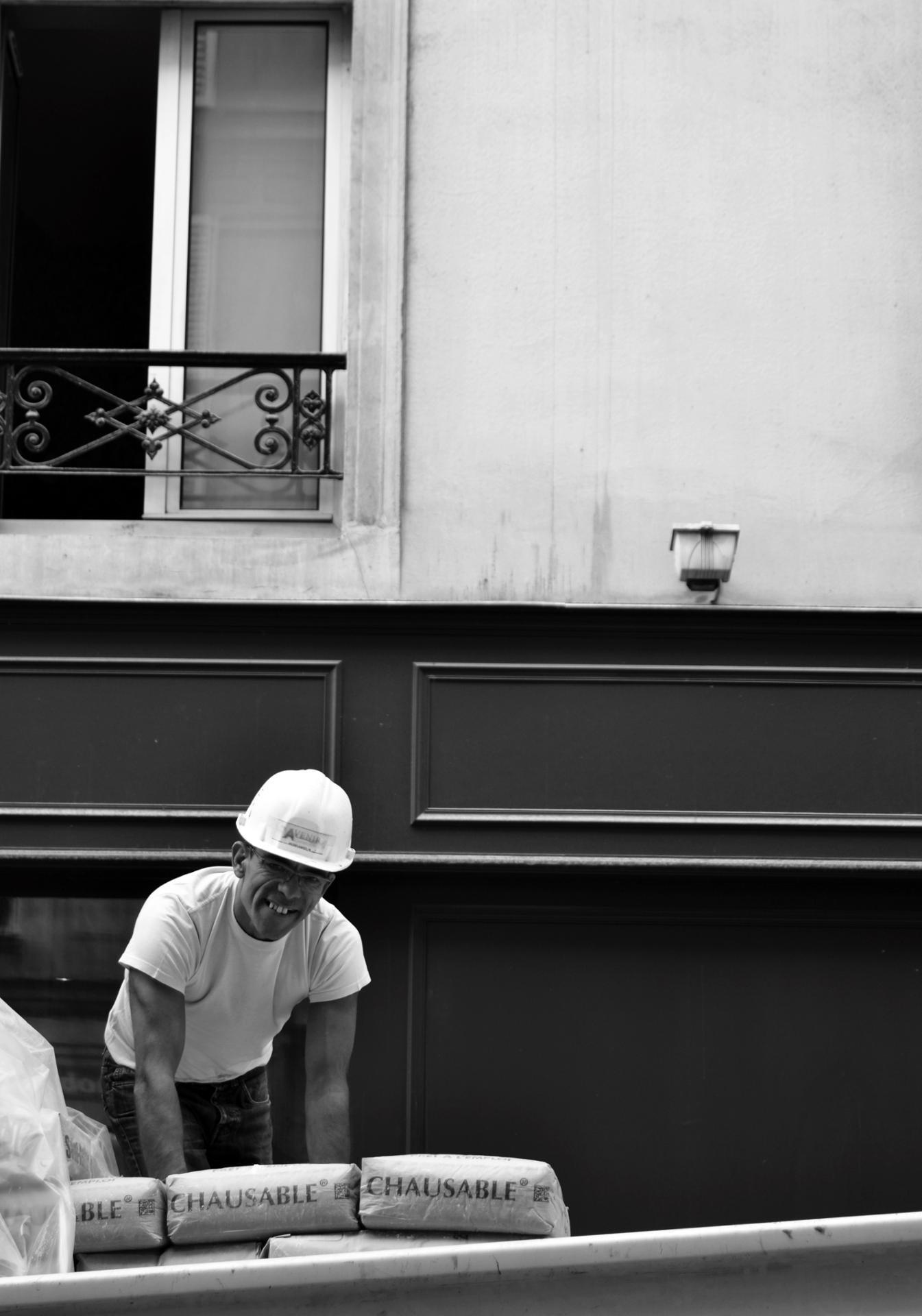 Happy worker, Paris, 2014