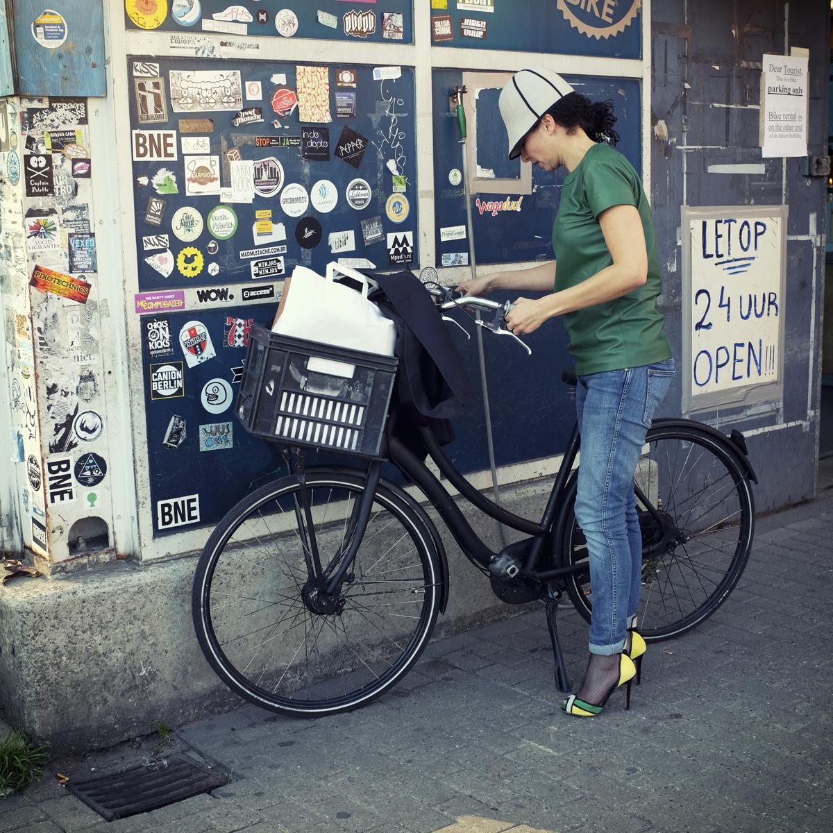 """Jaune vif & pointu de la série """"Les Précieux"""" - Amsterdam"""