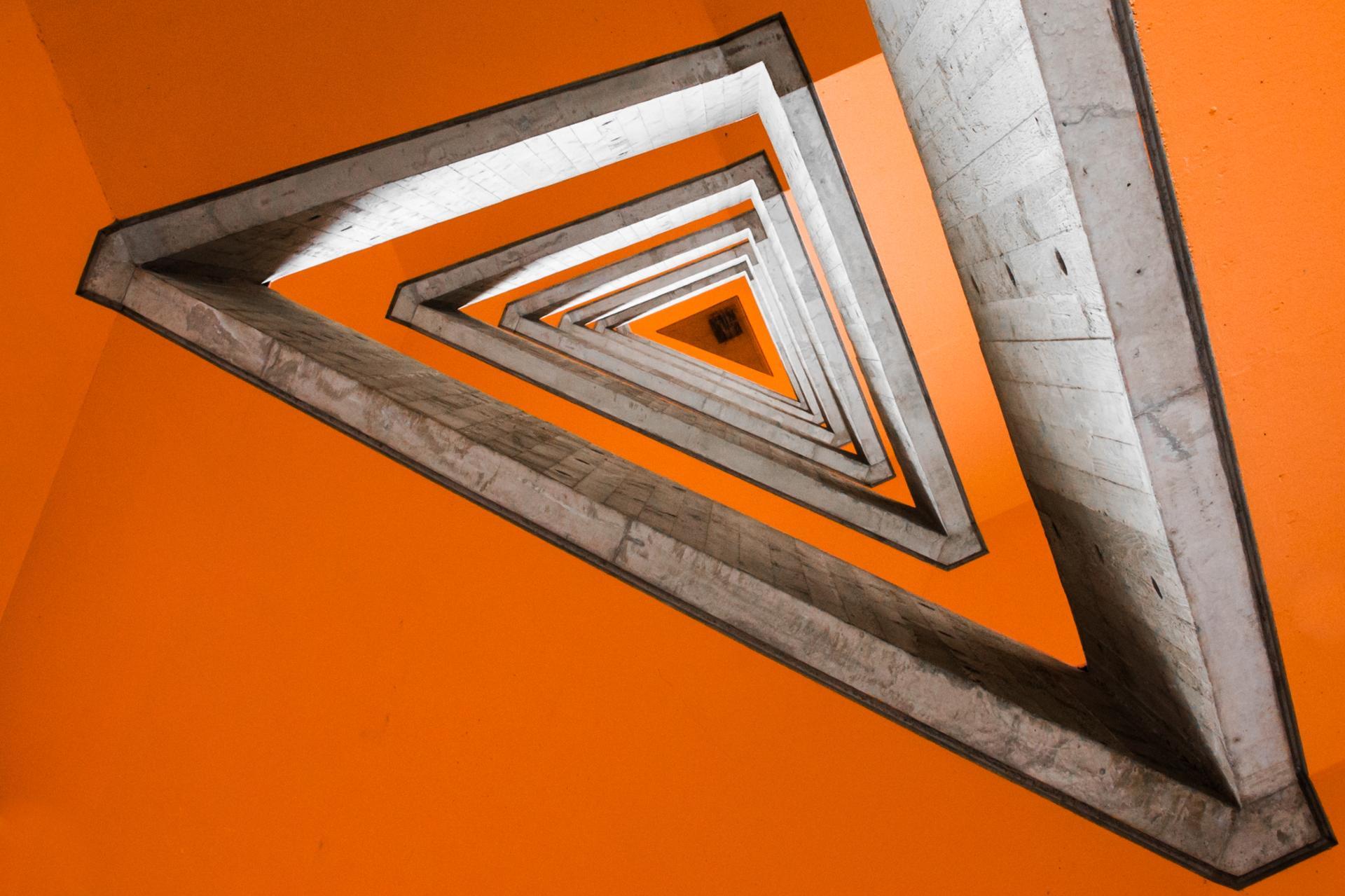 orange triangulation