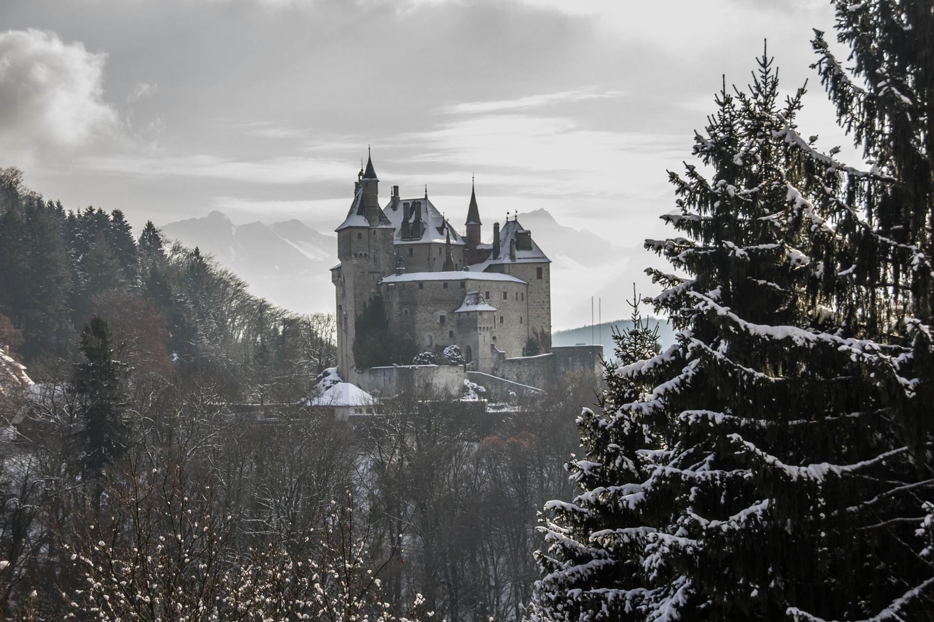 Chateau de Menthon St Bernard