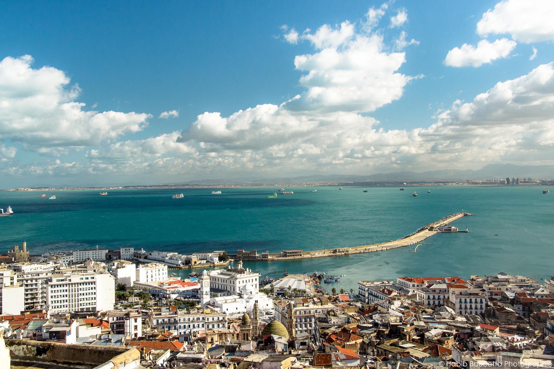 Alger depuis les toits de la Casbah