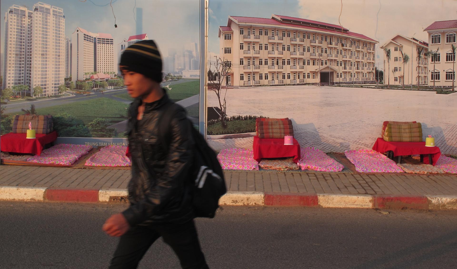 fake city in a real city…!(Murs Murs et des hommes)