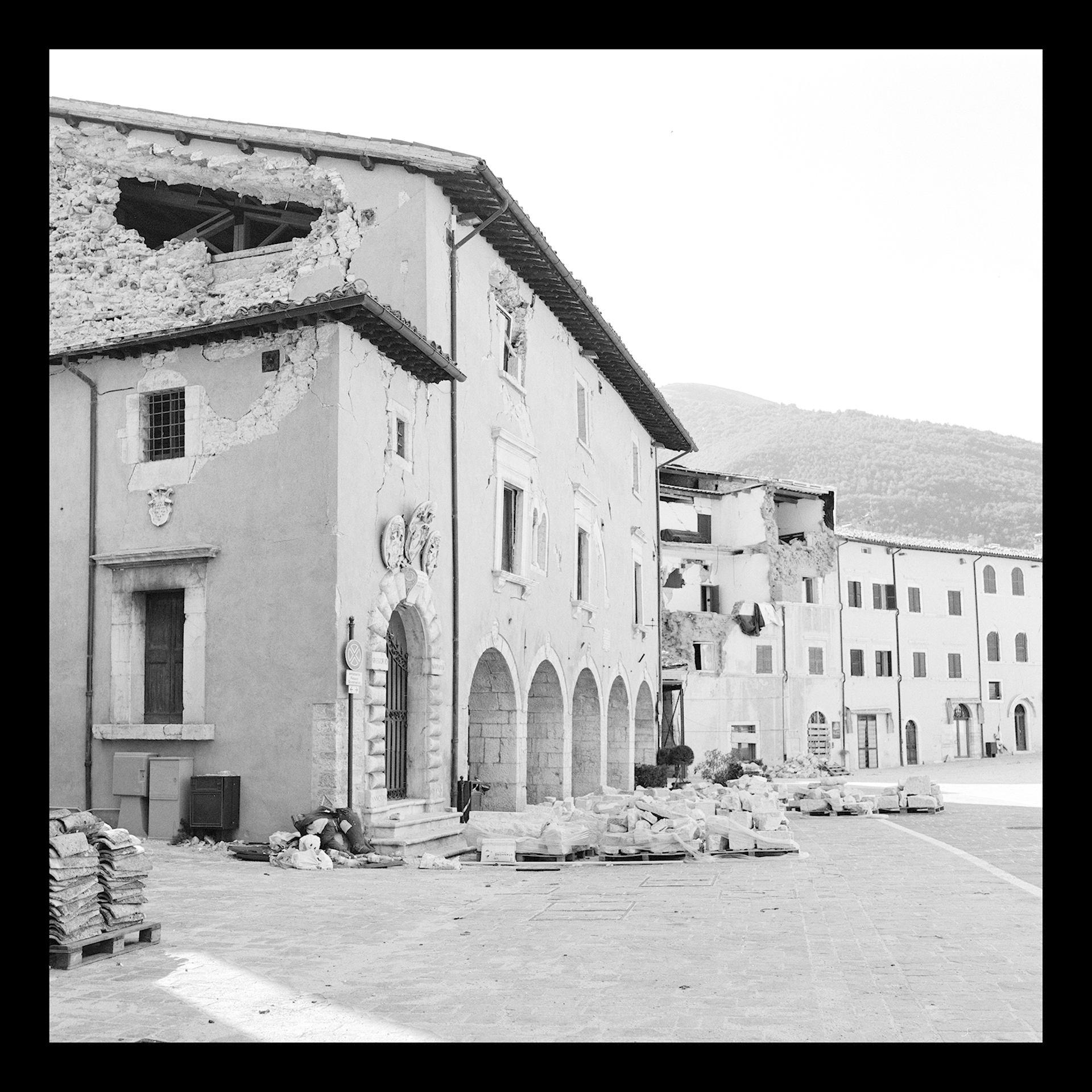 Centre ville de Visso copie.jpg