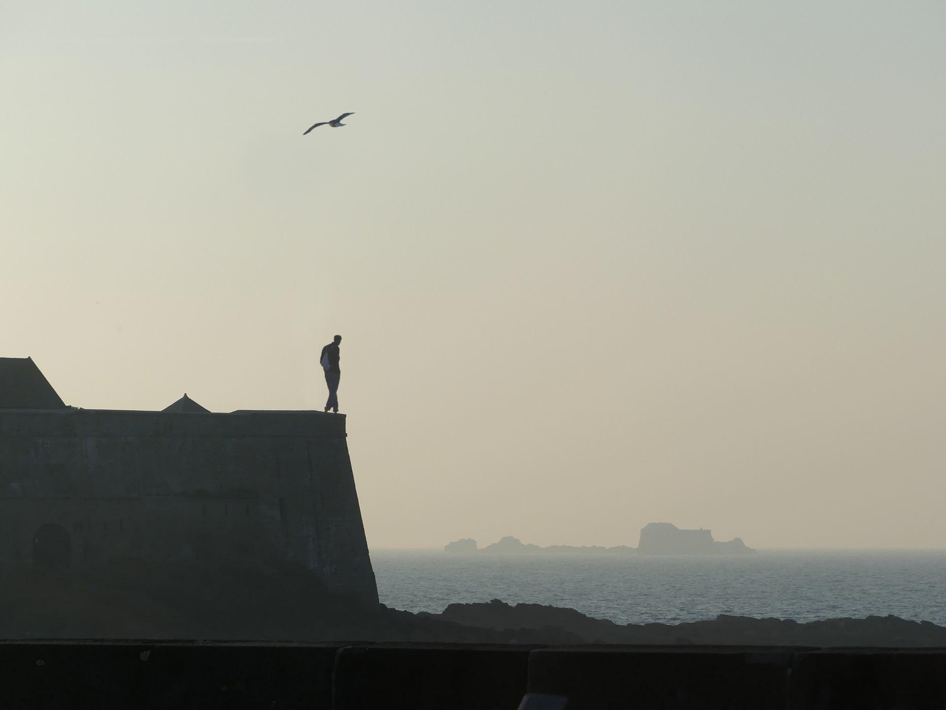 L'homme face à la mer
