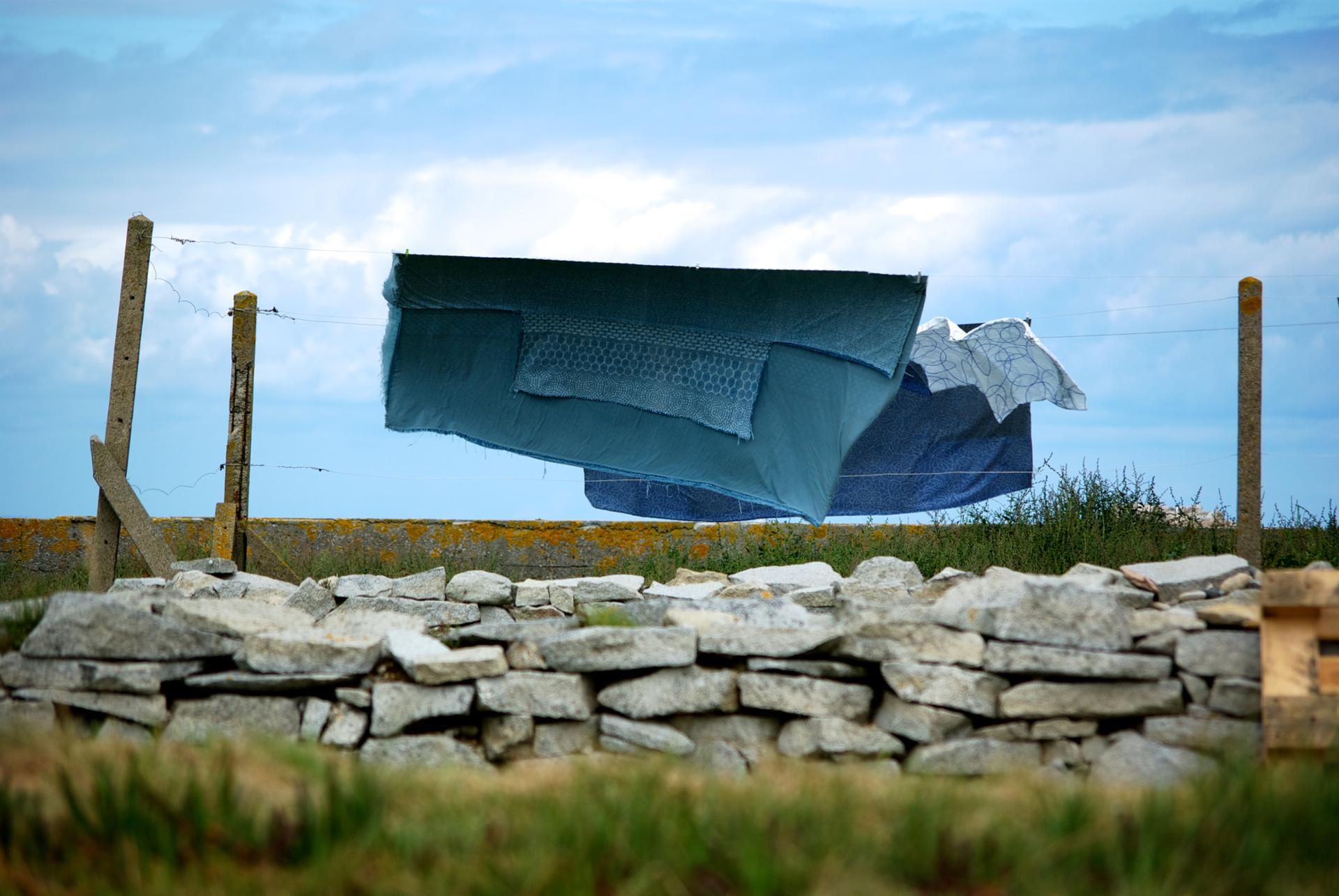 Sécher au vent de l'île de Sein