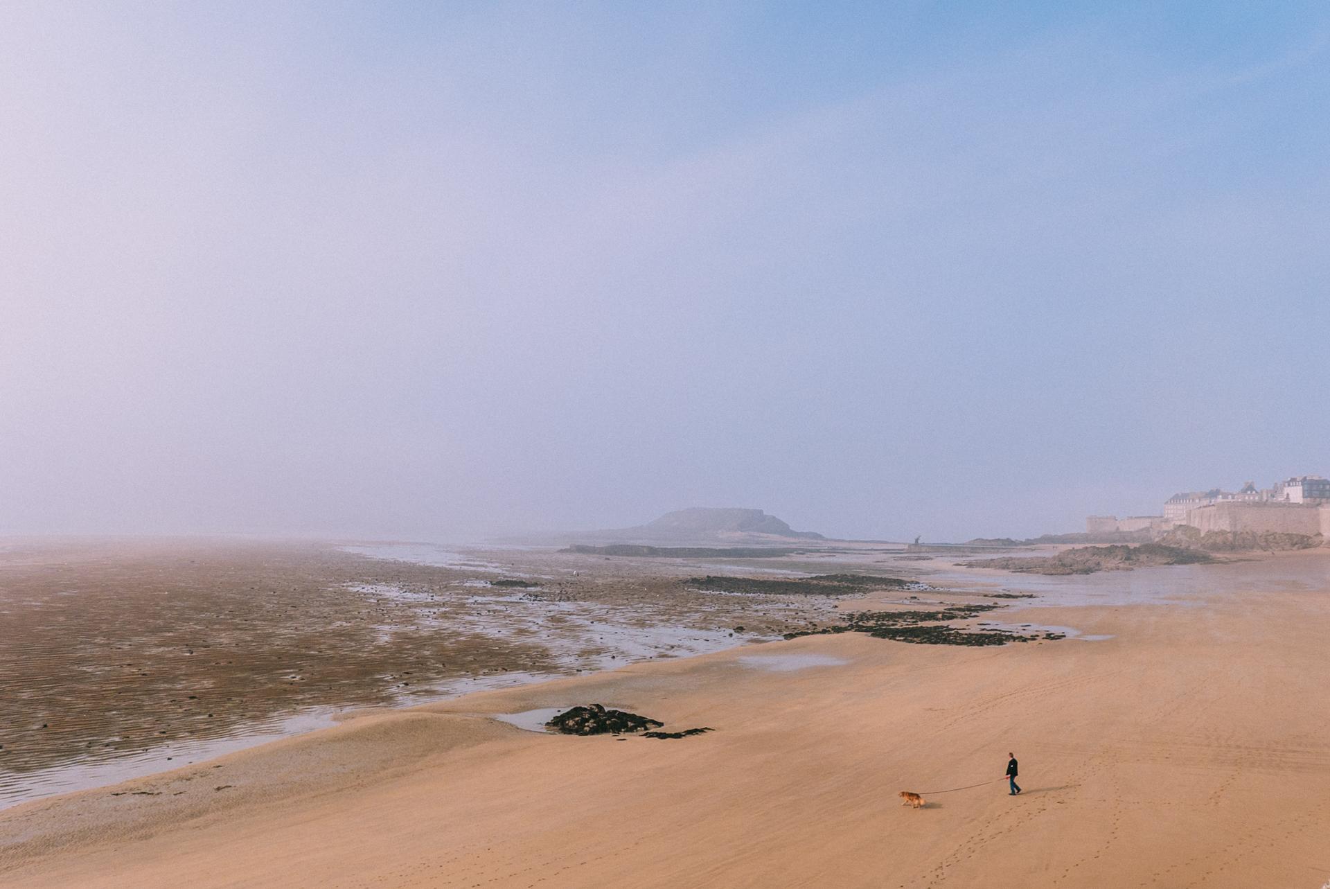 Saint Malo au loin