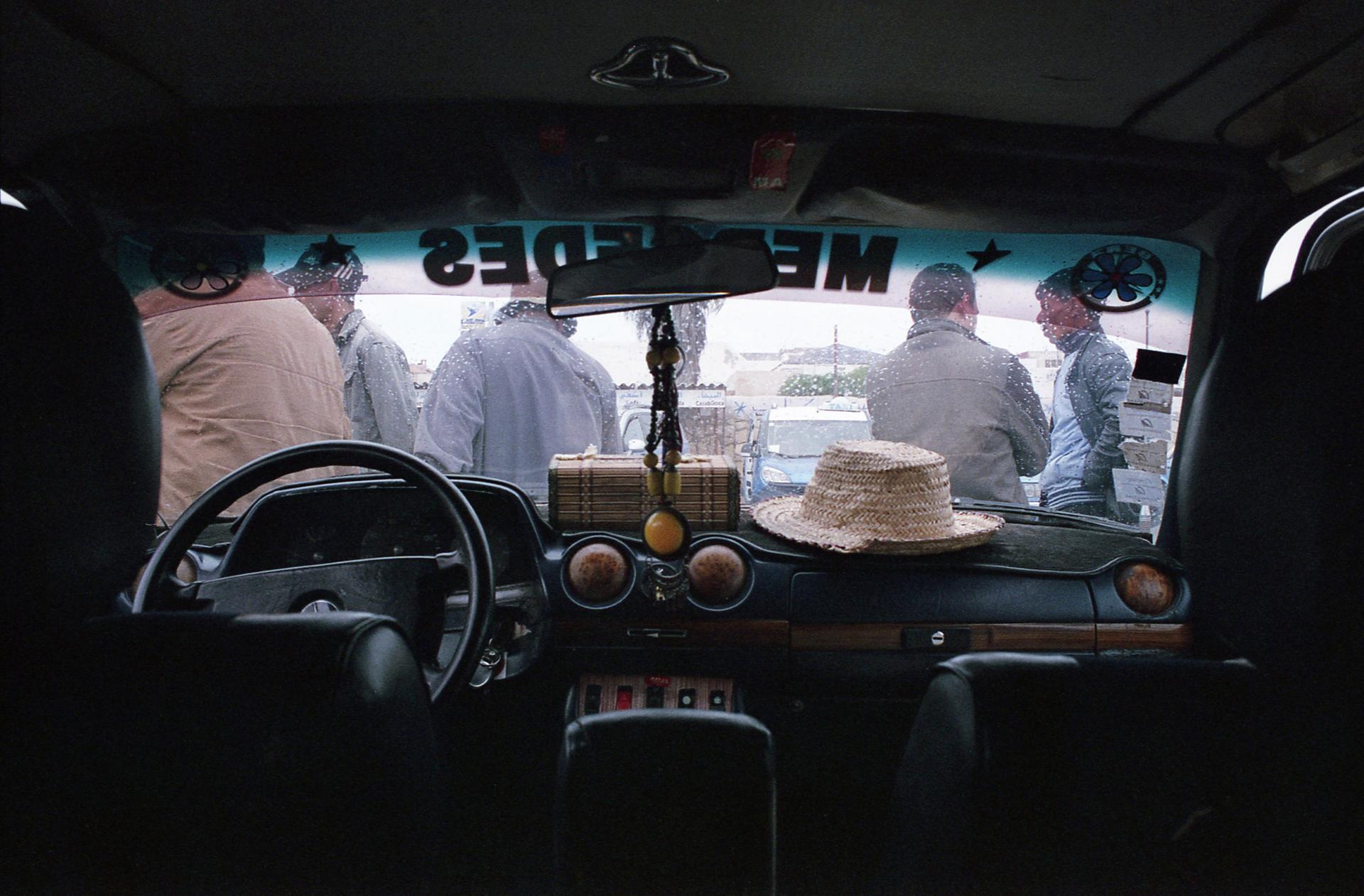 3 femmes dans un taxi