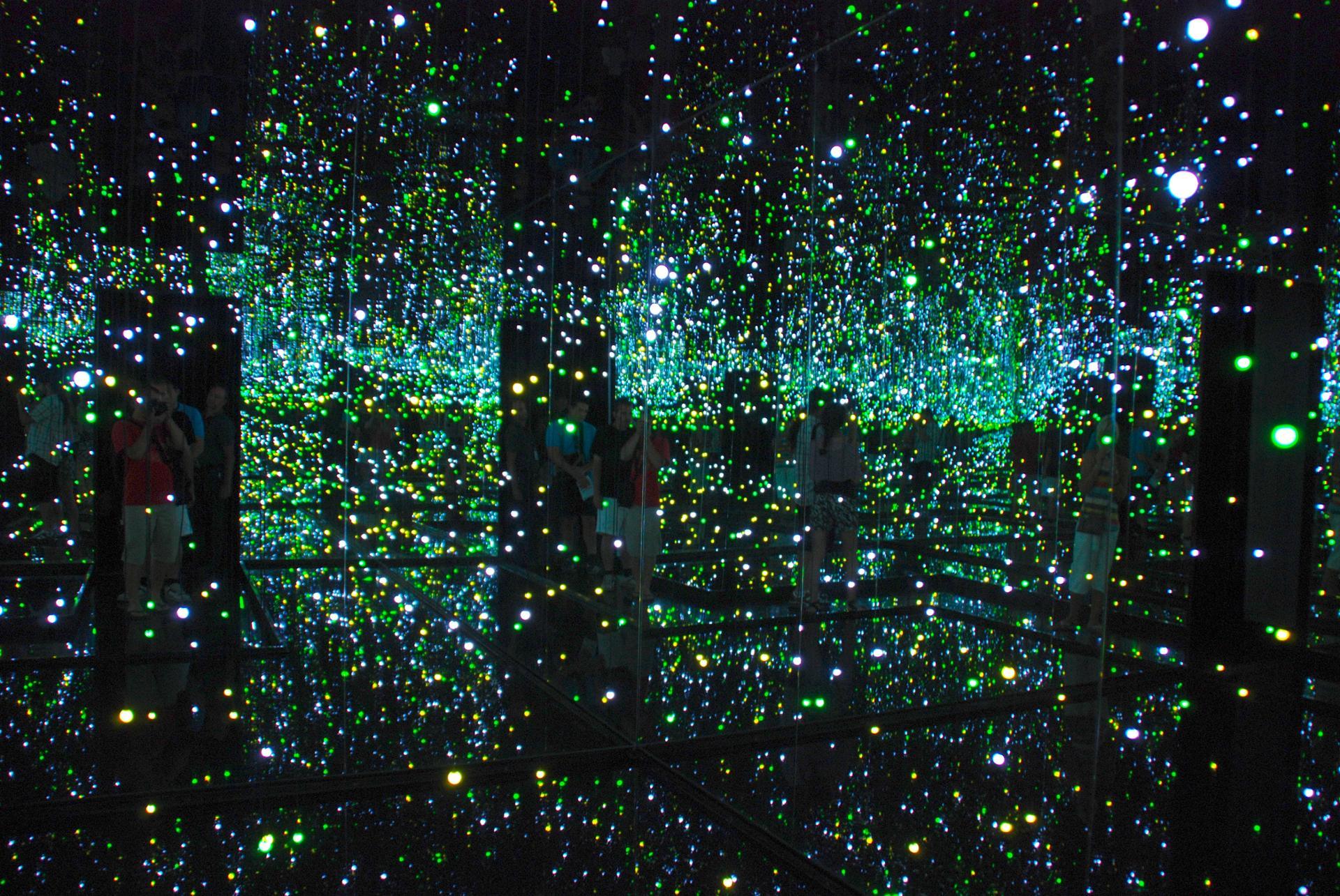 Perdus dans les étoiles et les gratte-ciel qu'elles engendrent
