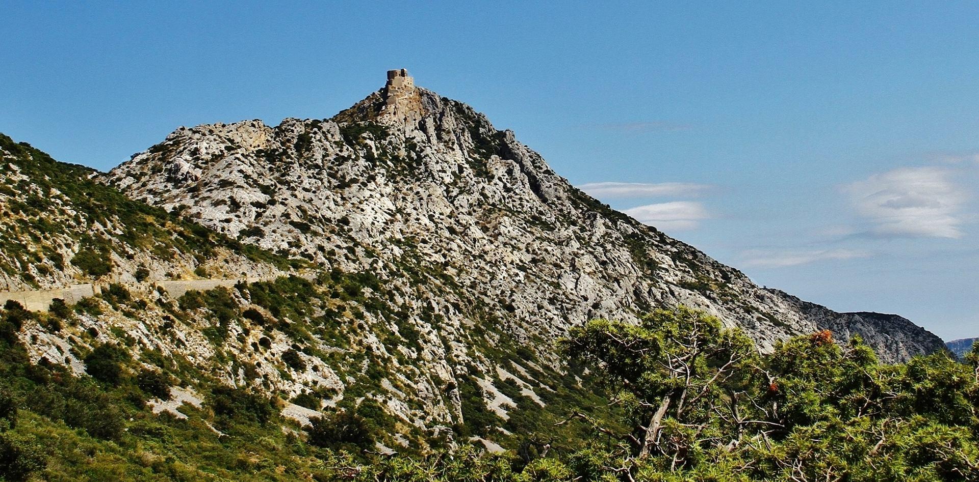 La montagne de Quéribus.