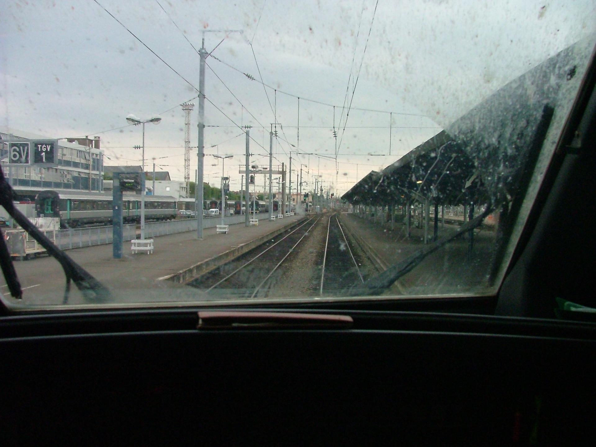 Cabine pilotage TGV - Gare de Nantes-2