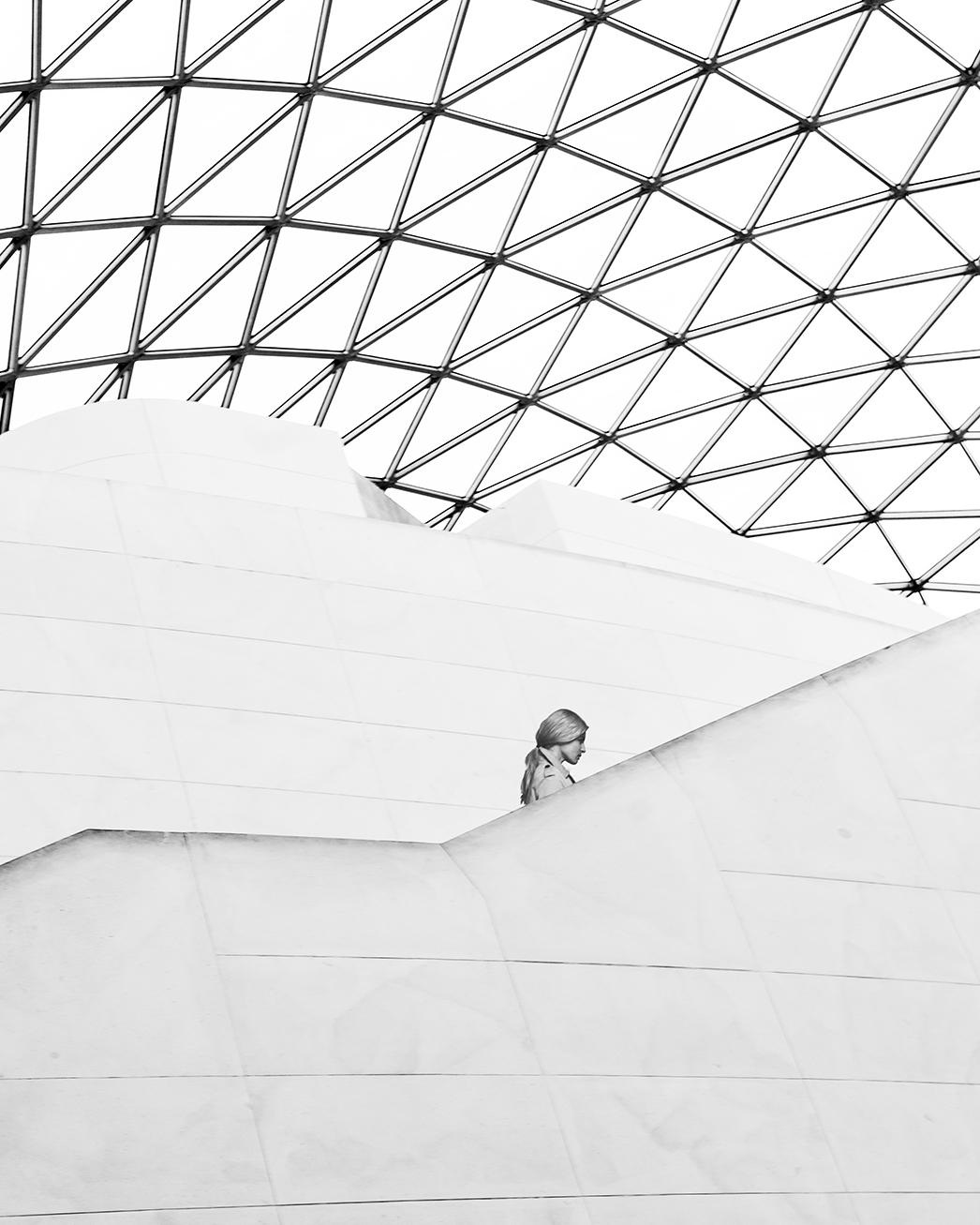 Woman in Muséum.jpg