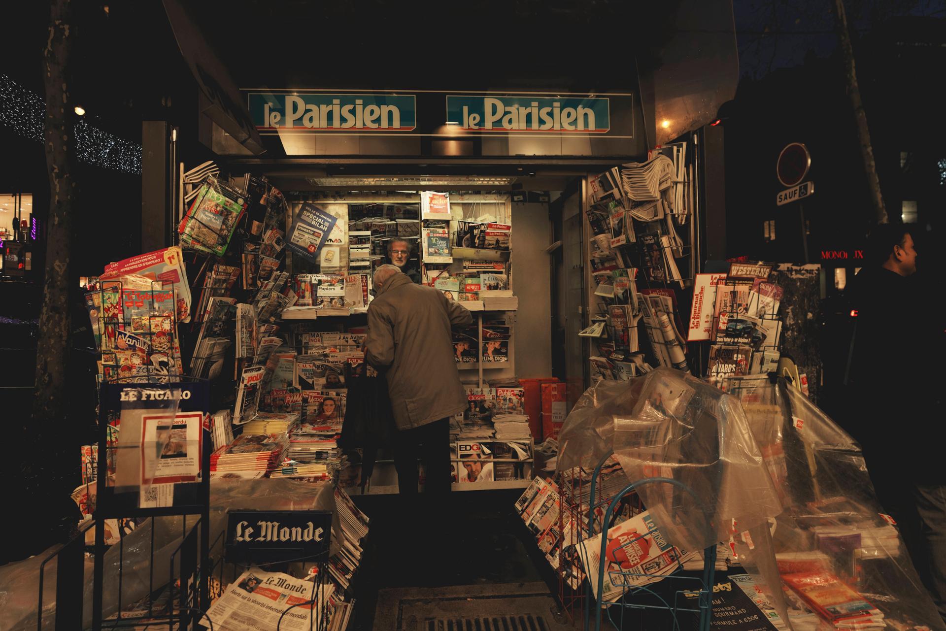 newspaper, Paris 2018