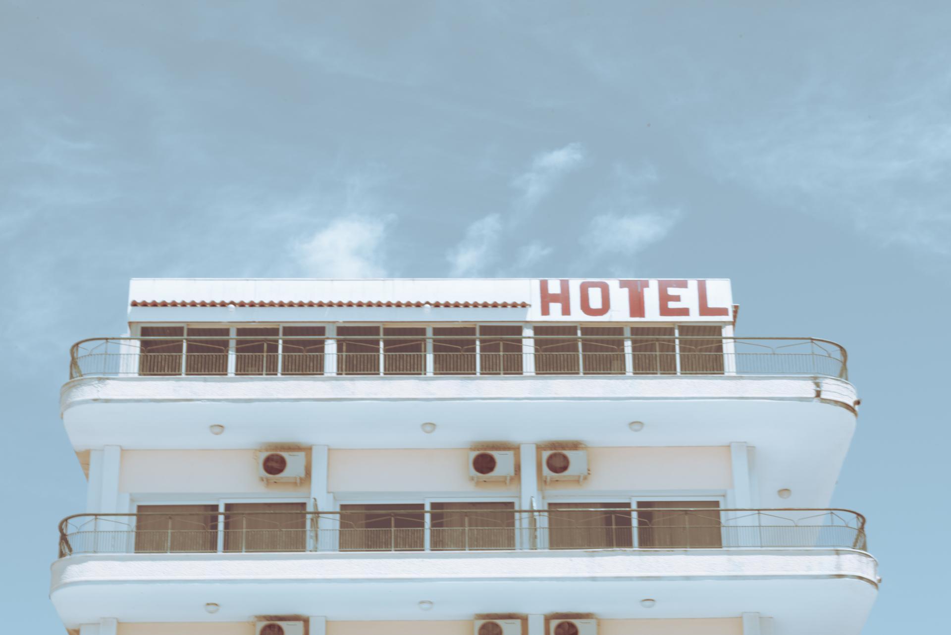 ********* HOTEL