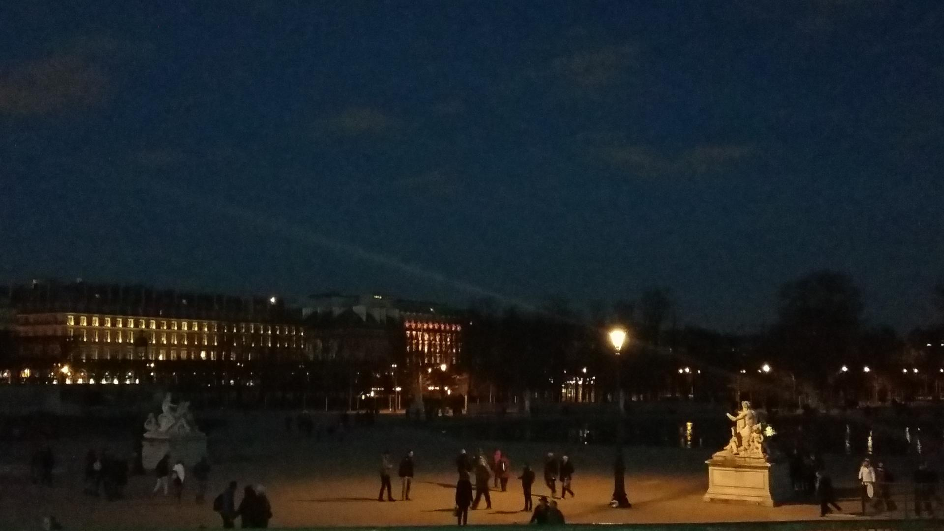 Midnight City_Jardin des Tuilerie la nuit