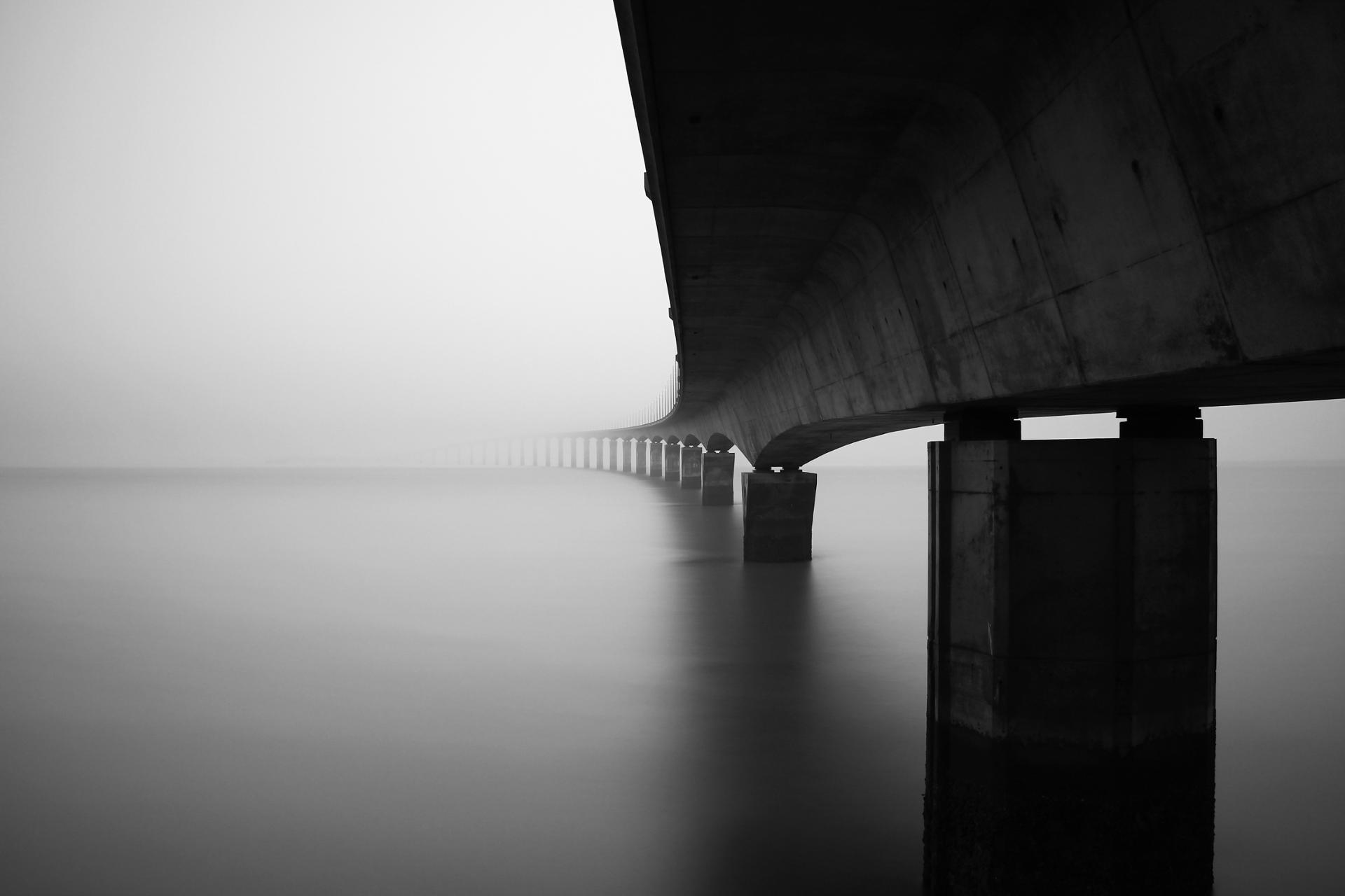 Le Pont de Ré dans la brume, un dimanche matin