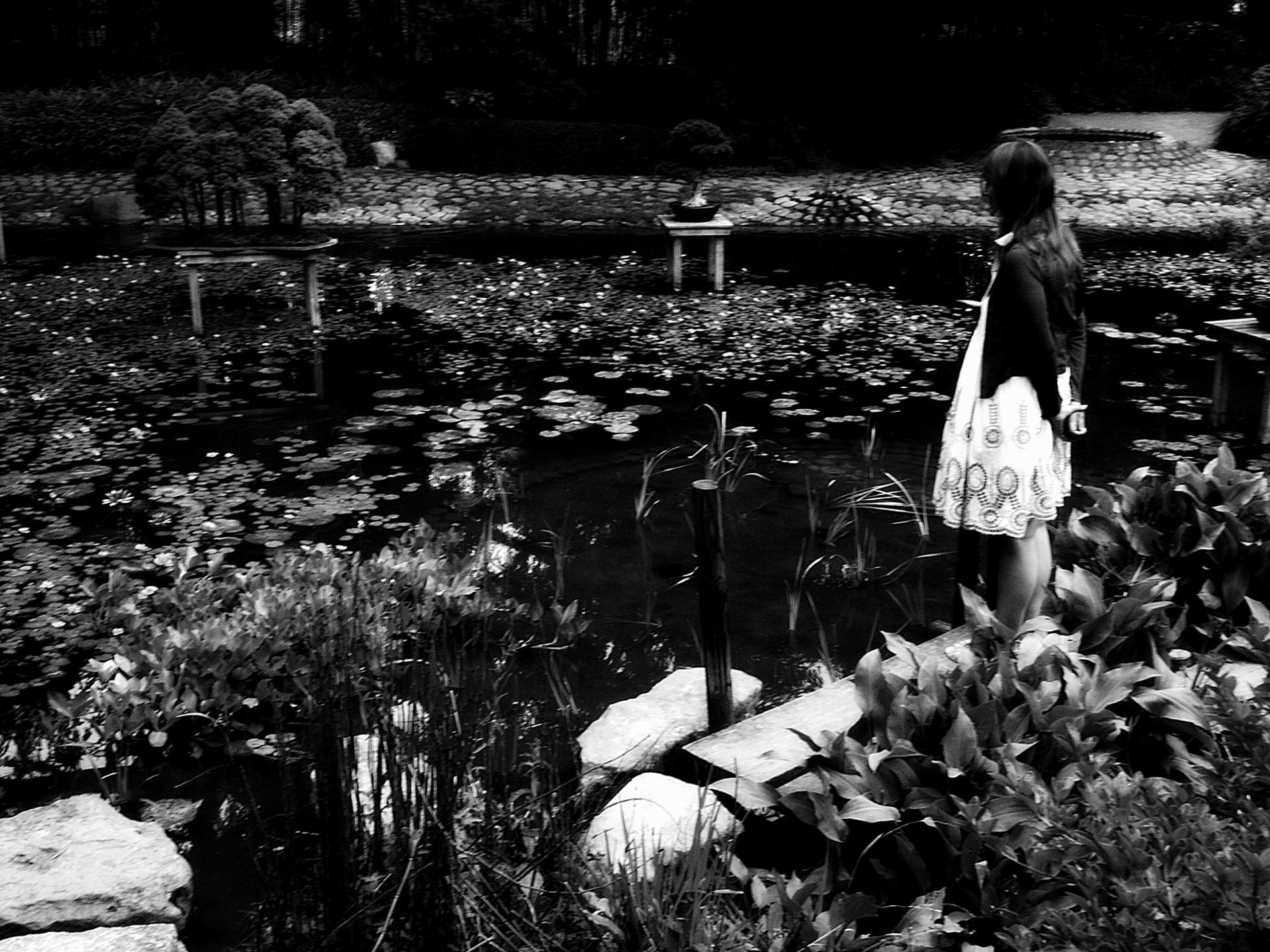 La jeune femme aux nénuphars.jpg