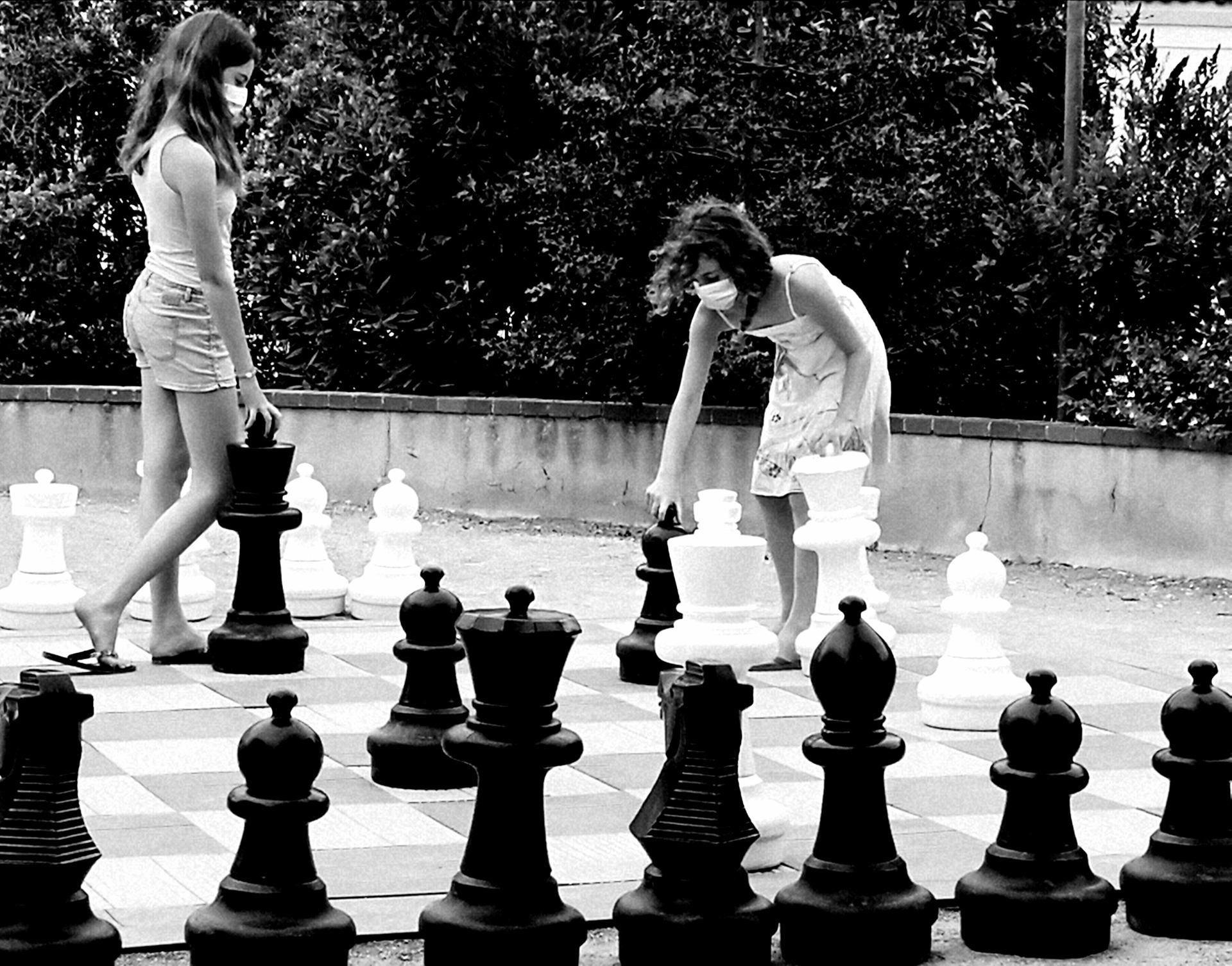 Black and White game