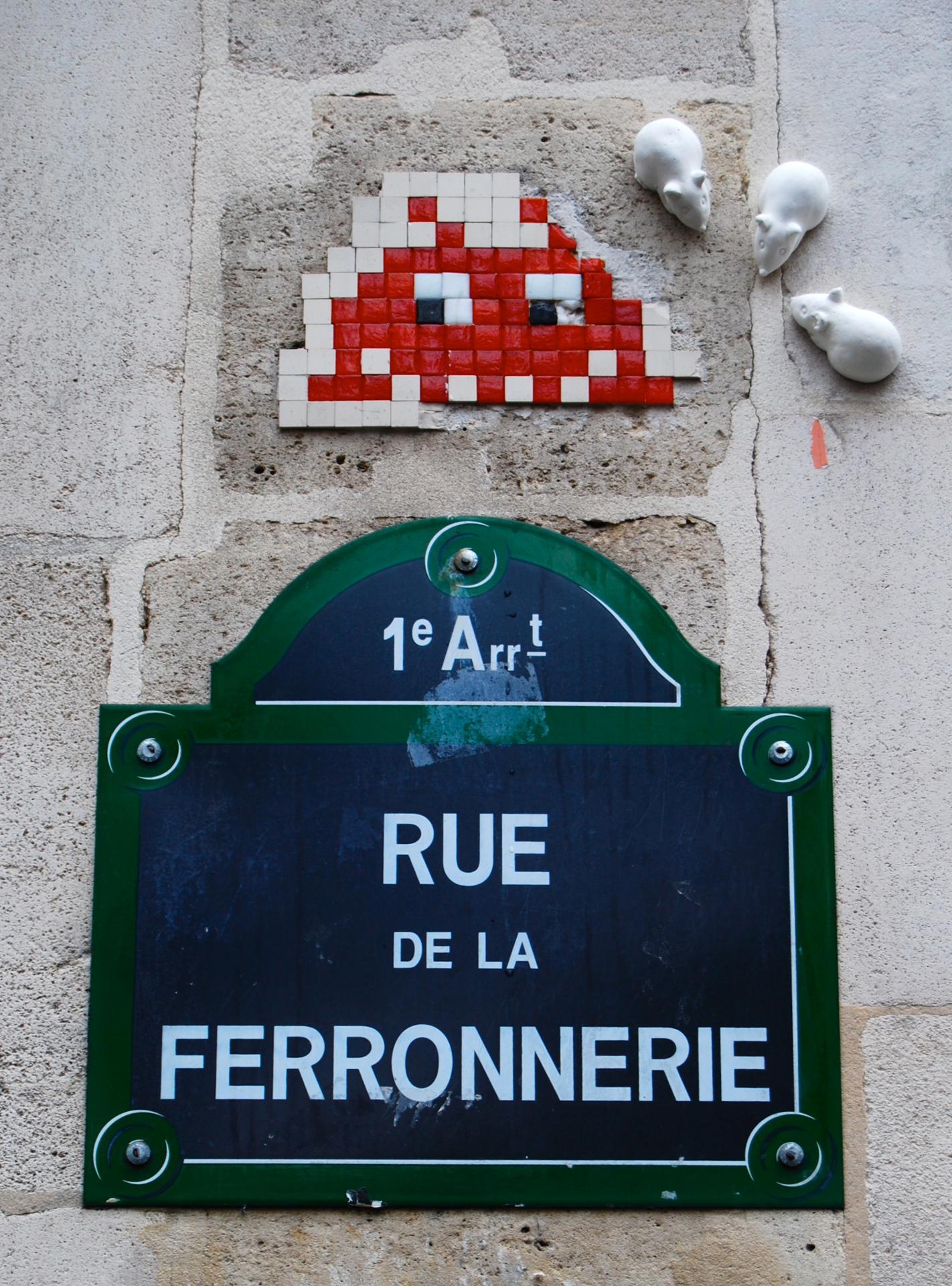 Invader rue de la Ferronnerie