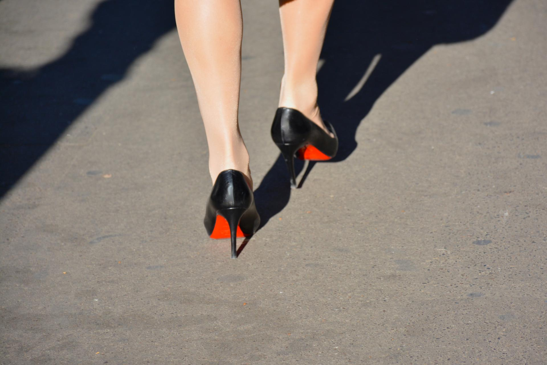 Walking red shoes 03