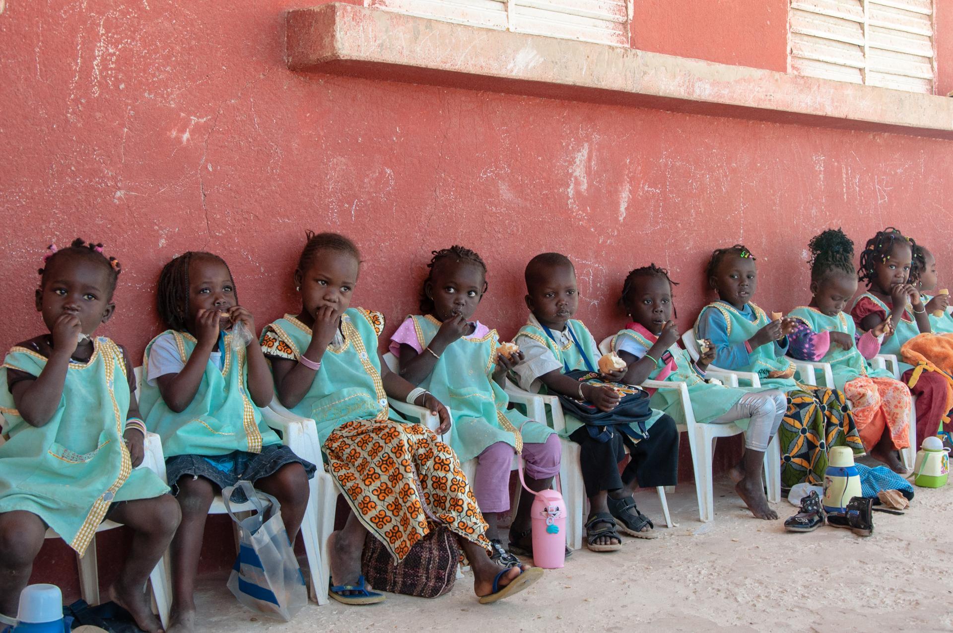 goûter à l'école... cherchez l'intrus- Sénégal
