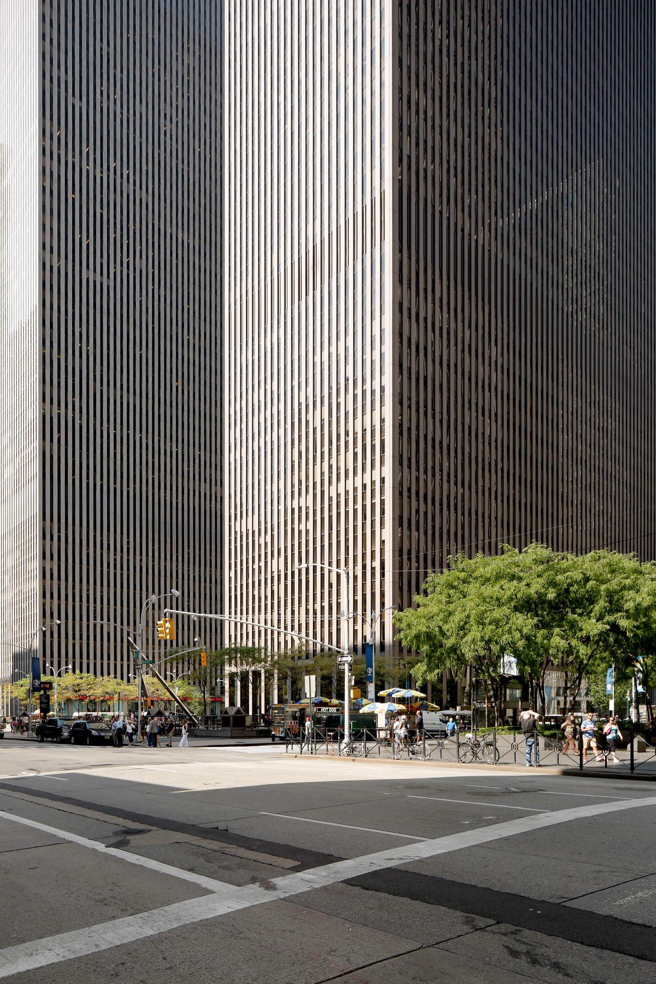 STREET NY 08