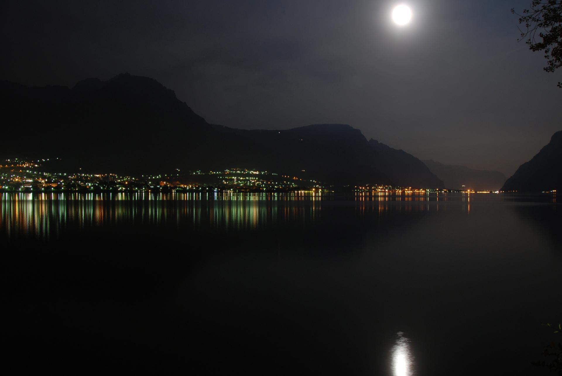 Sur le lac de Côme