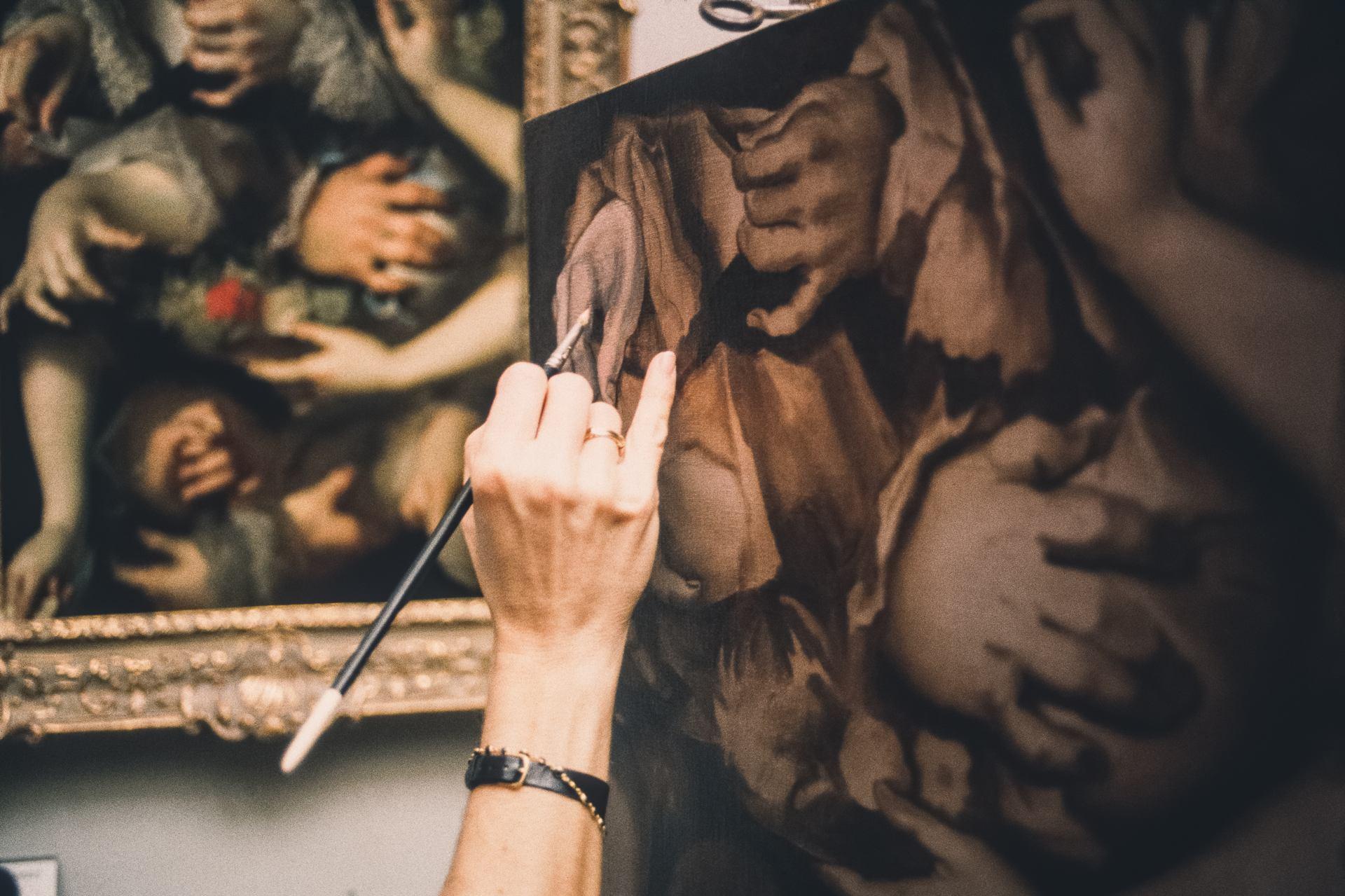 ©Alain Lecocq-Musée du Louvre-Jeux de mains