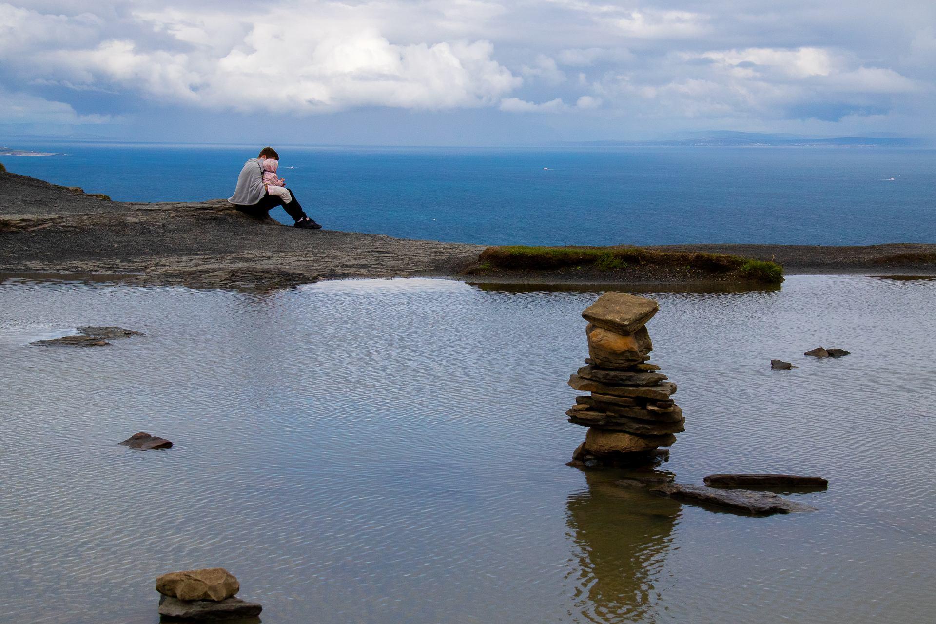 Au sommet des falaises de Moher, Irlande