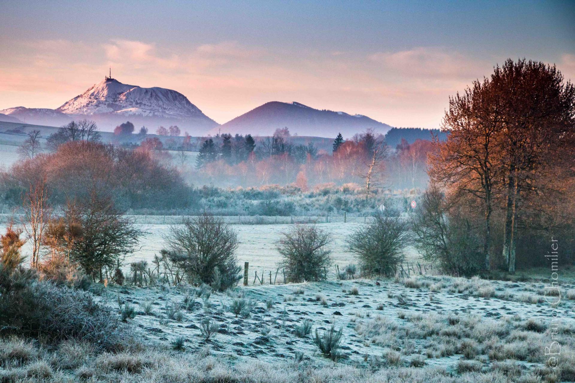 Lumière d'hiver pour réveiller nos Volcans d'Auvergne