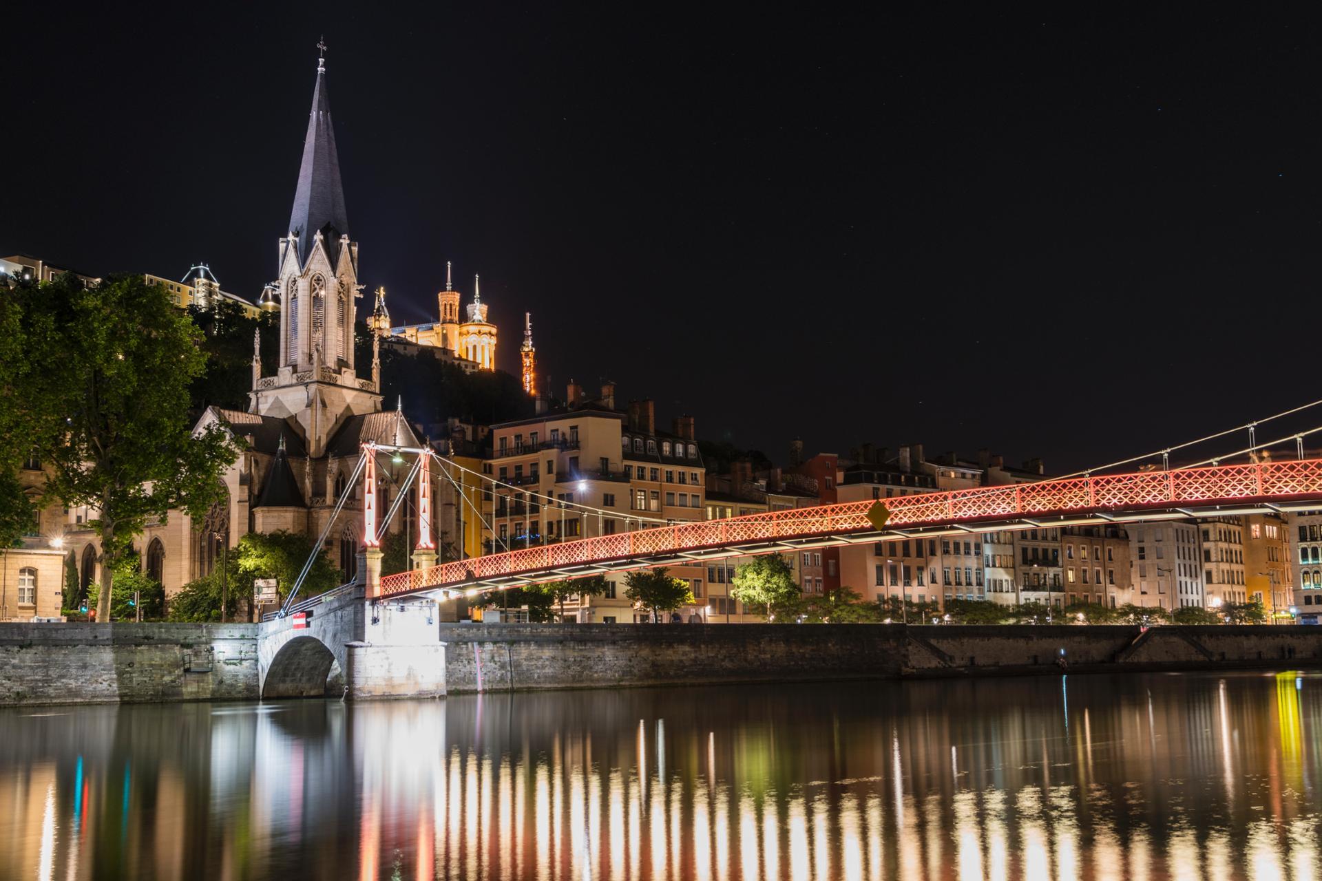 Lyon la nuit.