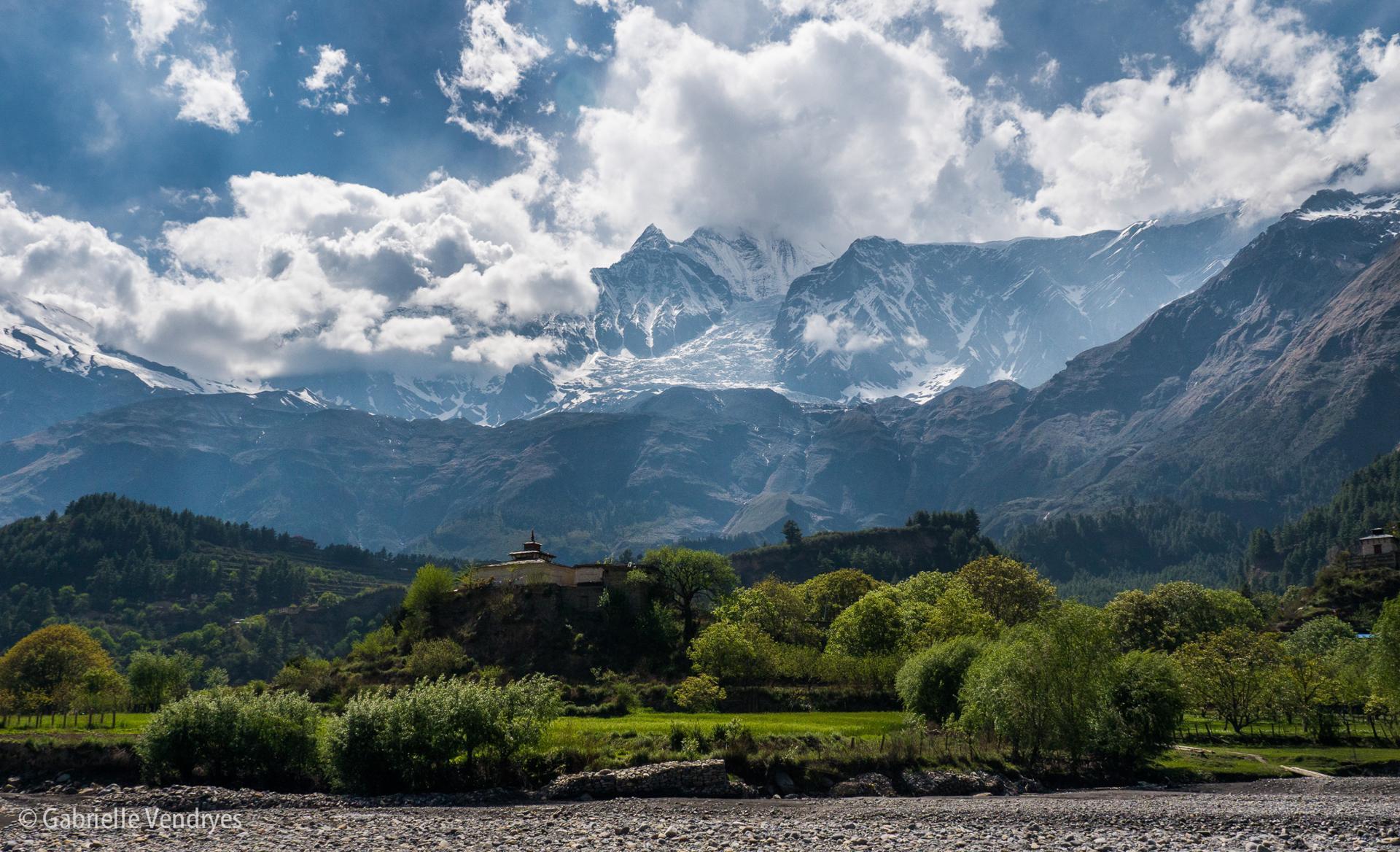 Au détour d'une rivière népalaise