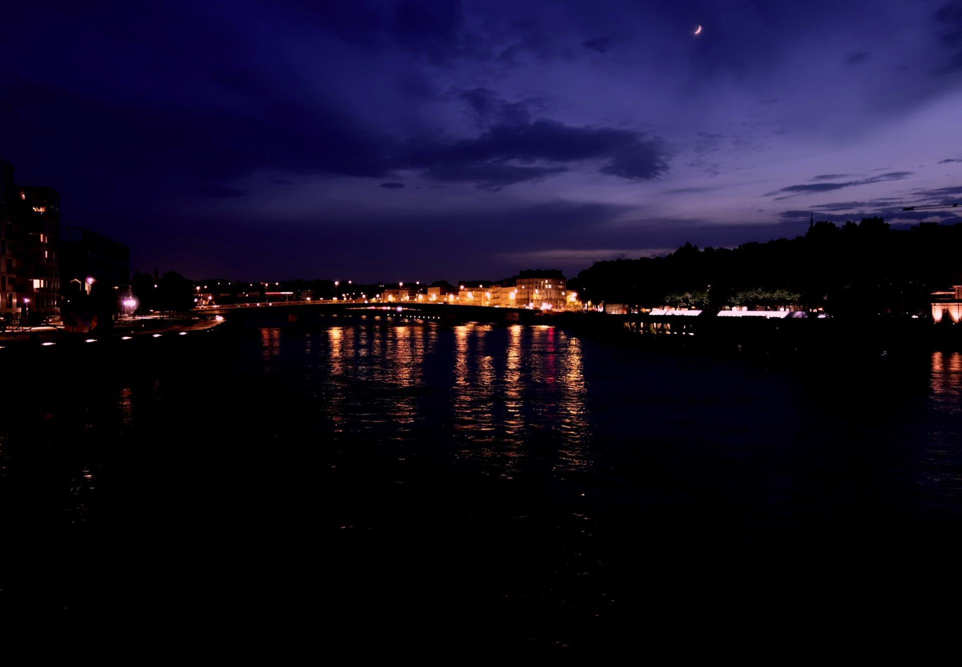 Purple night in Nantes