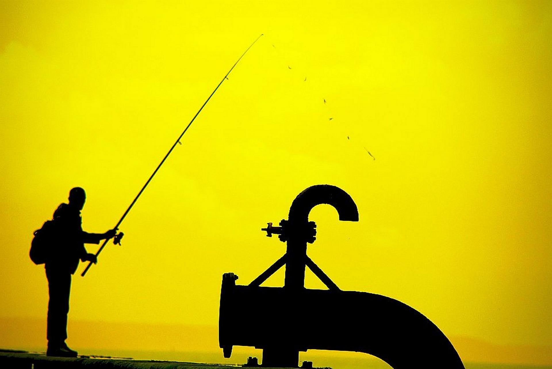Pêche en eau trouble.