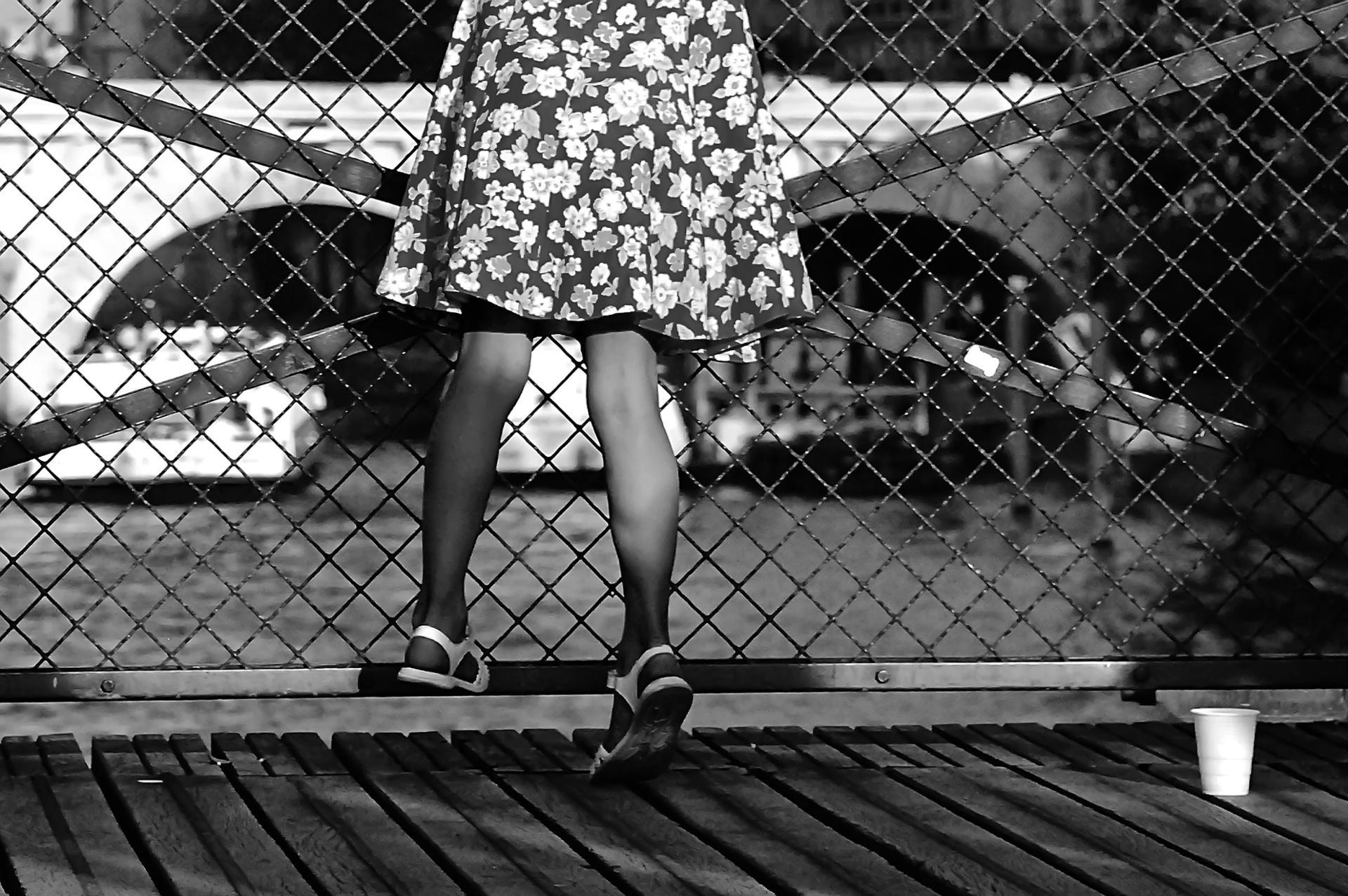 La robe et le gobelet.