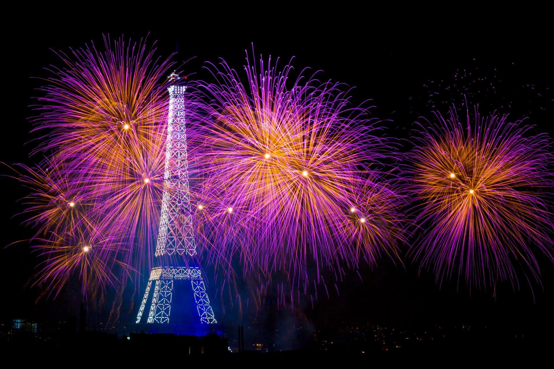 14 Juillet à Paris et  la tour Eiffel